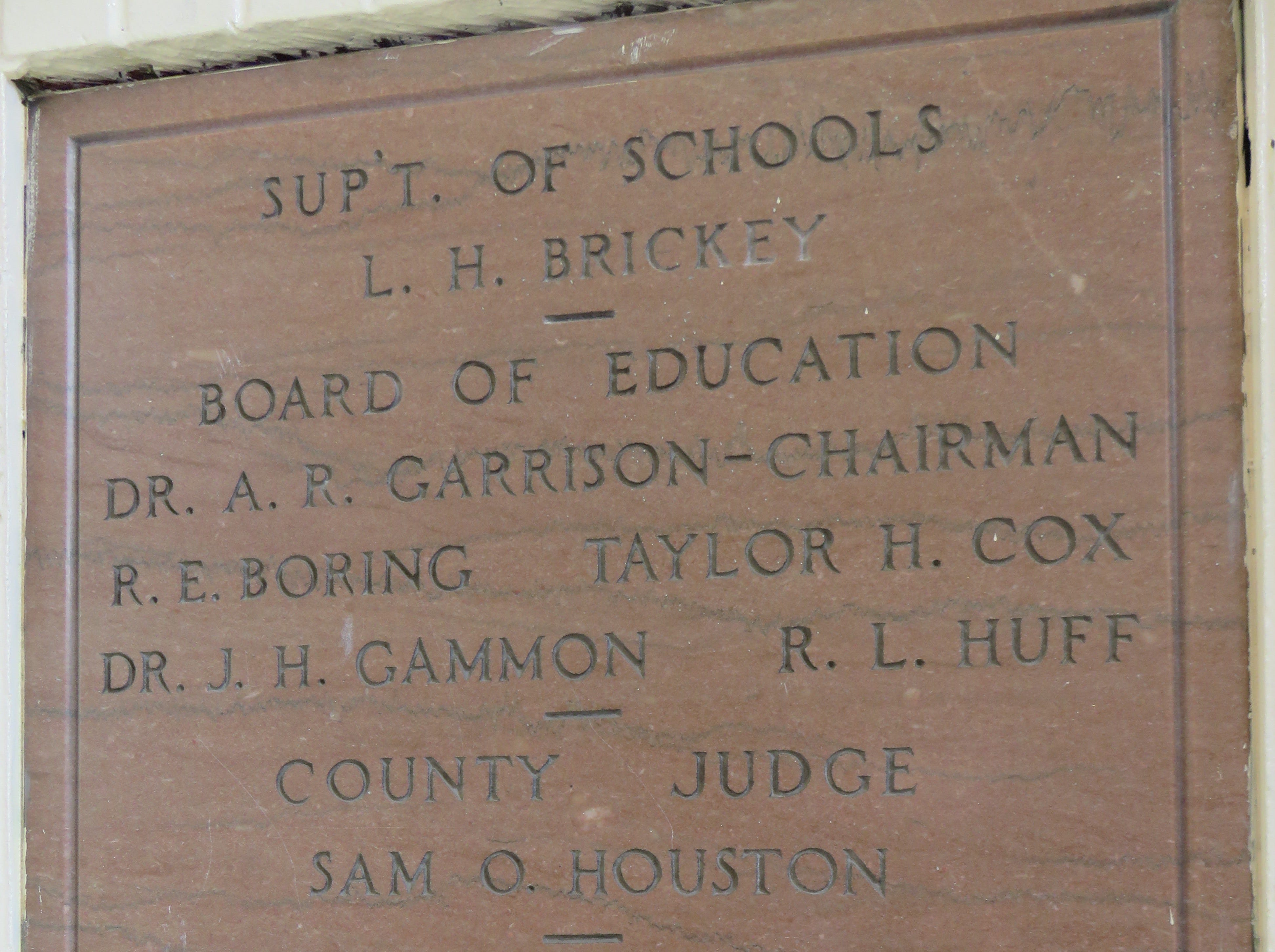 Plaque inside entrance hall of Bearden Elementary does not say who architect was.