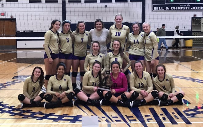Fowlerville won its first district volleyball championship since 2013 with a victory over Williamston on Thursday, Nov. 1, 2018.
