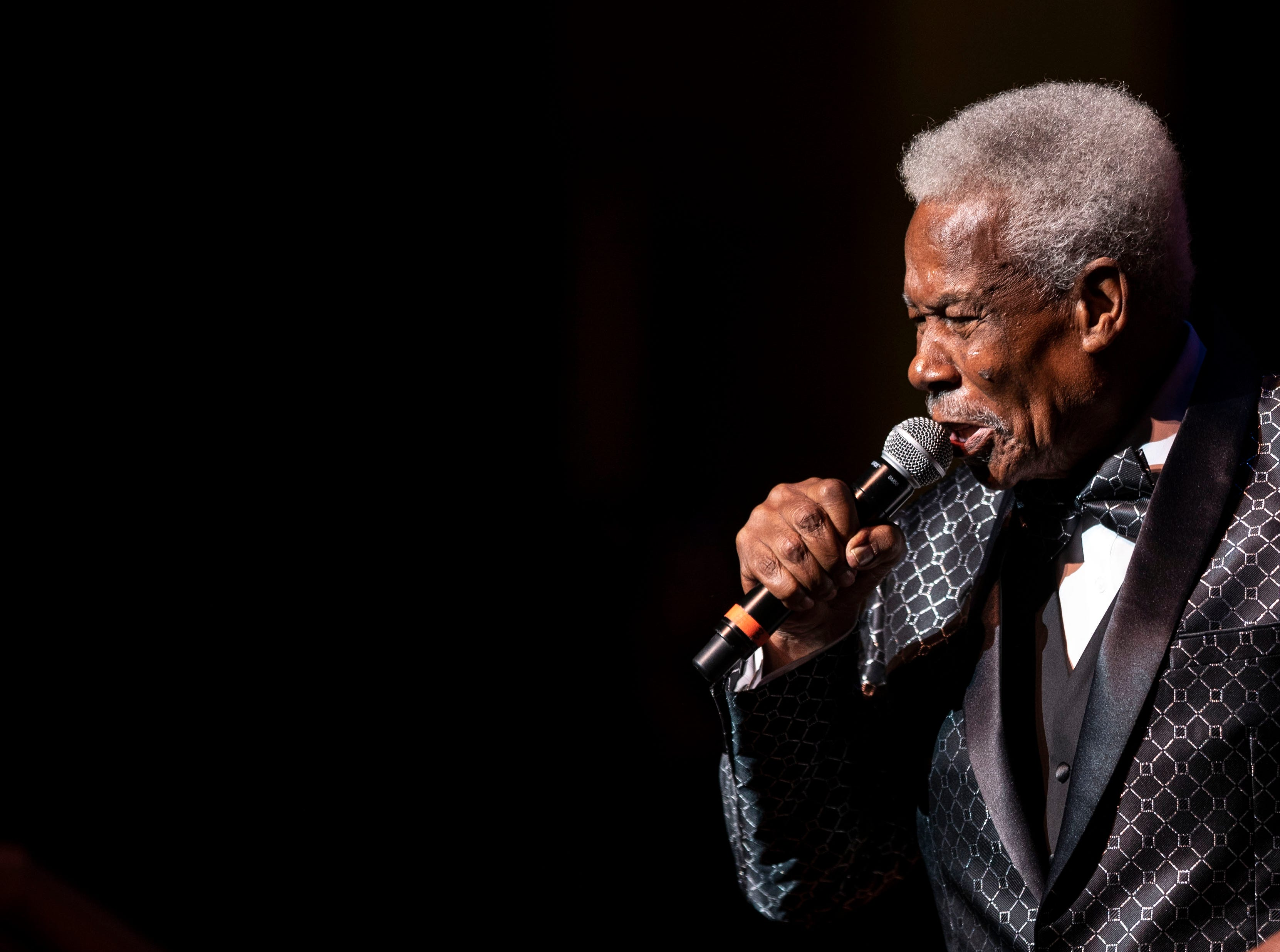 "Eddie Floyd performs his hit song ""Knock On Wood"" at the 2018 Memphis Music Hall of Fame Induction Ceremony Thursday November 1."