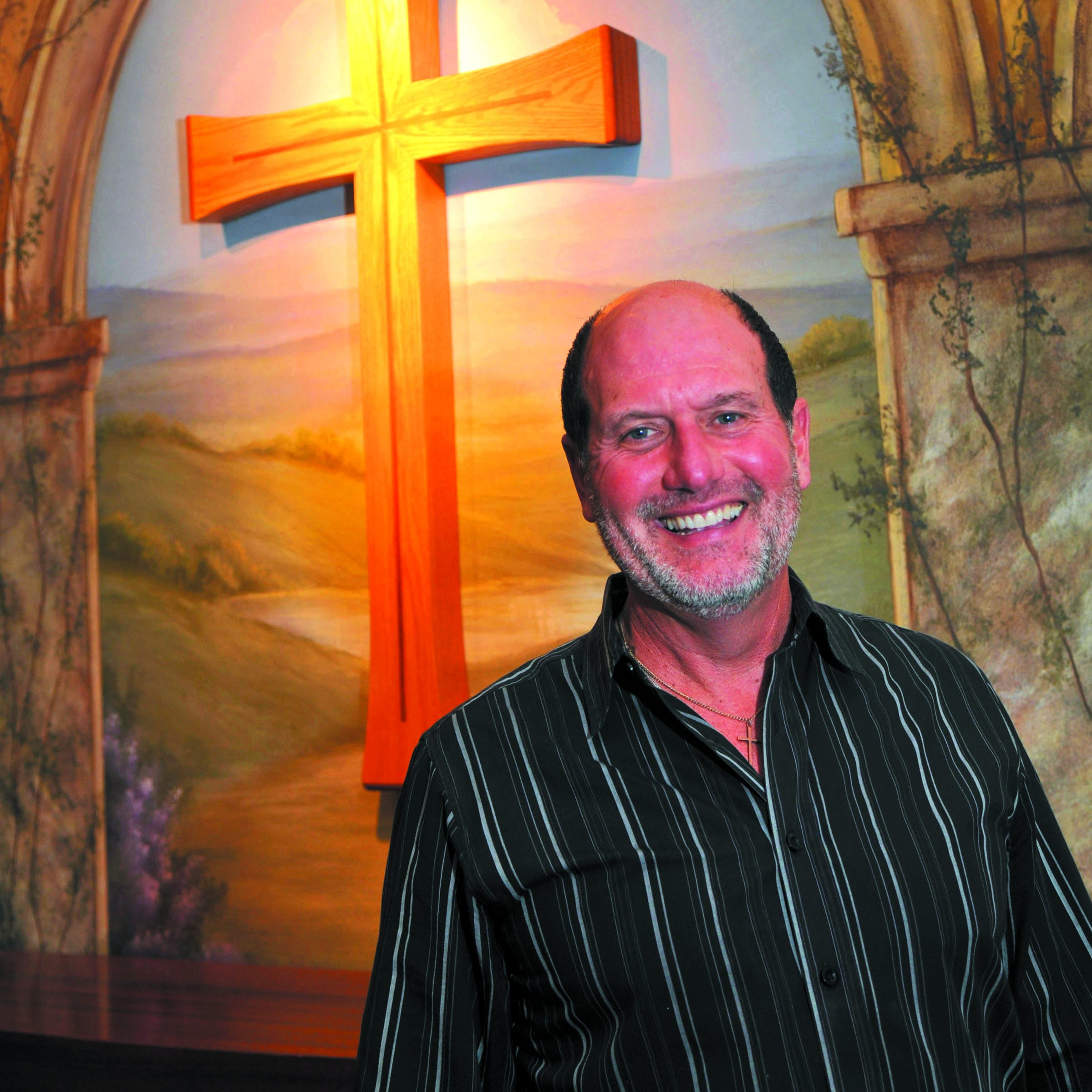 Days after resigning, longtime Oconomowoc pastor announces he's starting a new church