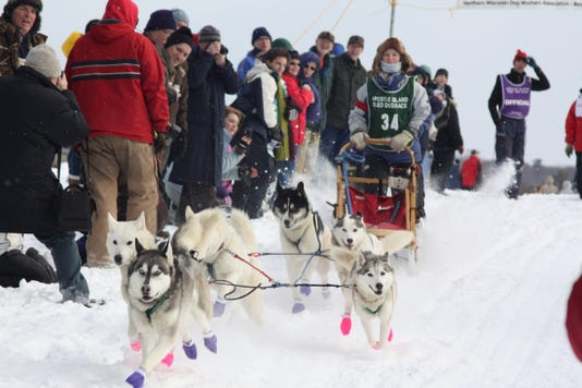 Apostle Island Sled Dod Race Bayfield Credit Travel Wisconsin