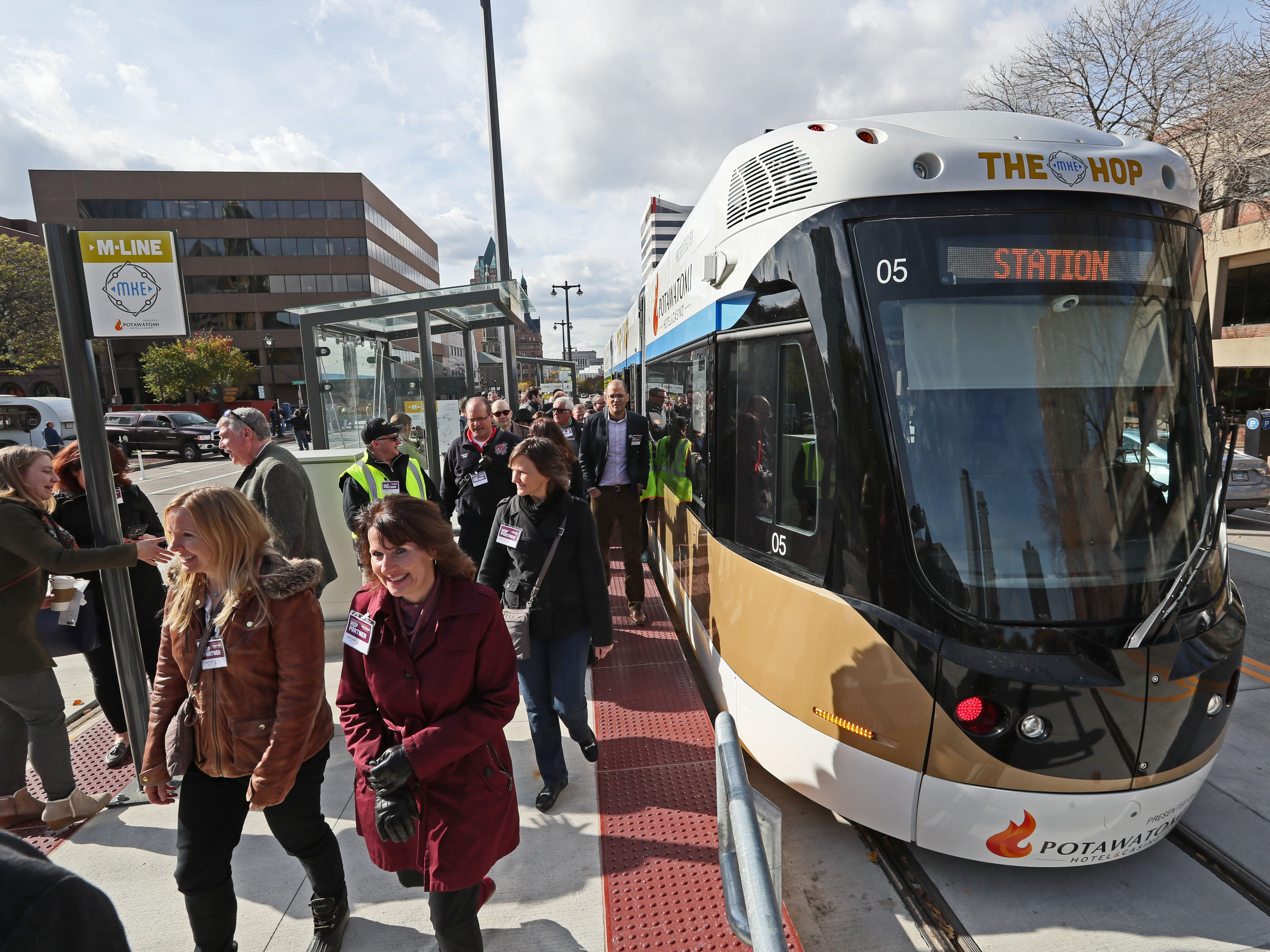 Grand opening of The Hop, the new Milwaukee streetcar, attracted 16,409 riders