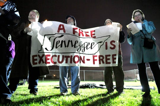 Protesters gather before the execution of Edmund Zagorski at Riverbend Maximum Security Institution Thursday, Nov. 1, 2018, in Nashville, Tenn.