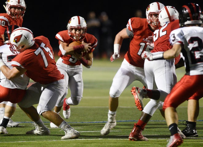 Glen Rock football at Westwood on Friday, November, 2, 2018. WW #5 Tyler Giordano in the first quarter.