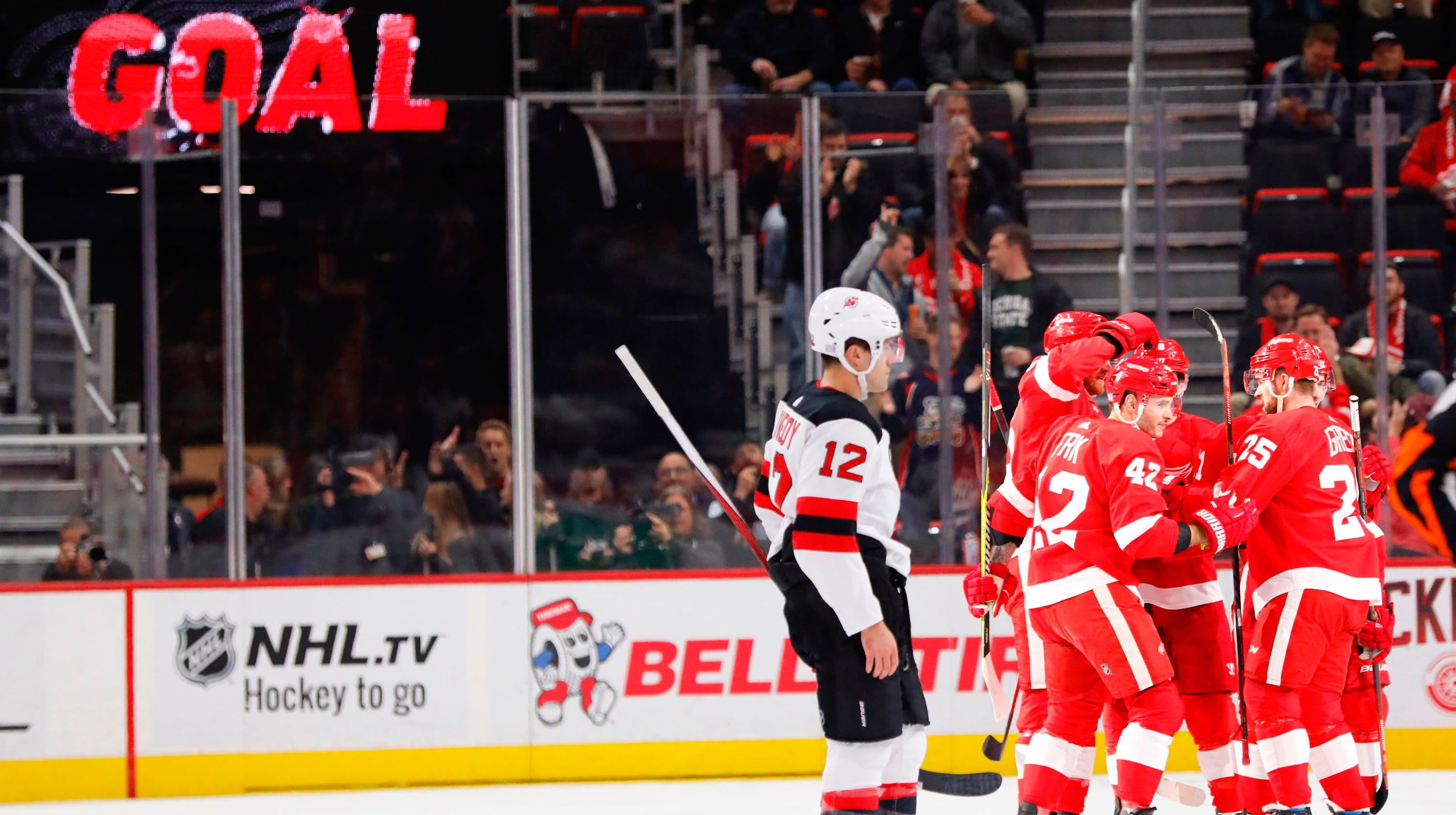 NJ Devils drop second straight on the road with loss to Red Wings 19999eb16