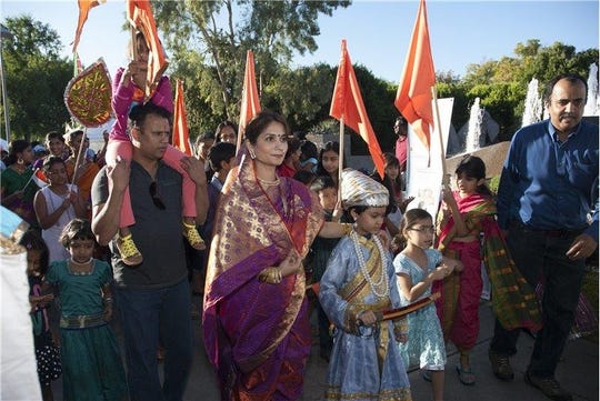 The Discover India Festival attracts people of all ages.