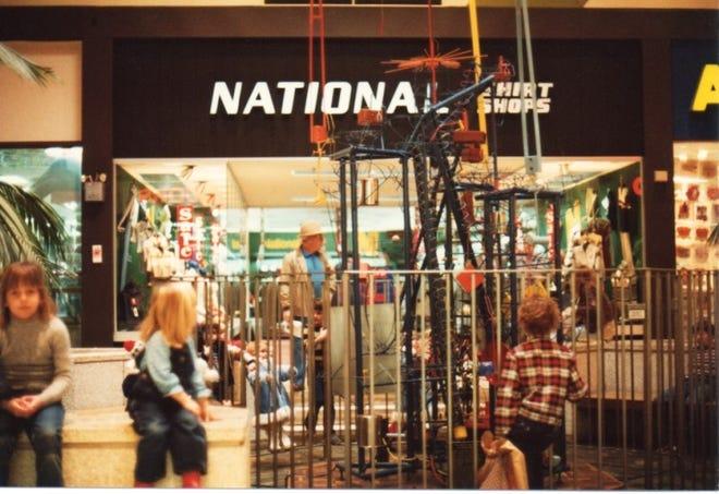 Electric Ball Circus in the Long Ridge Mall.