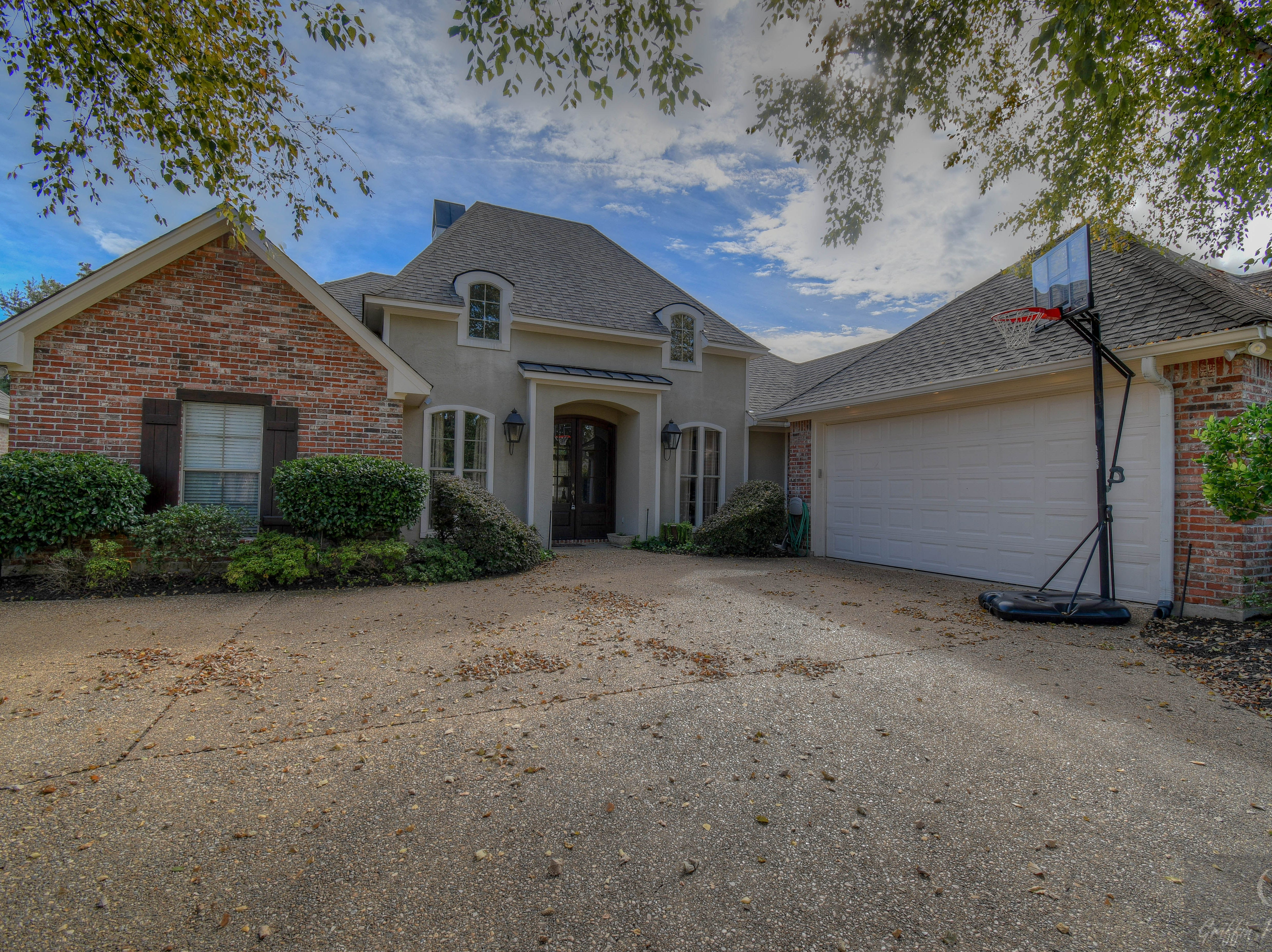 51 Turnbury Drive,   Bossier City  Price: $322,650  Details: 3 bedrooms, 3 bathrooms, 2,225 square feet  Special features: Stonebridge home with view of the pond, oversized garage for work space.   Contact: Donnette Koertge, 780-8969