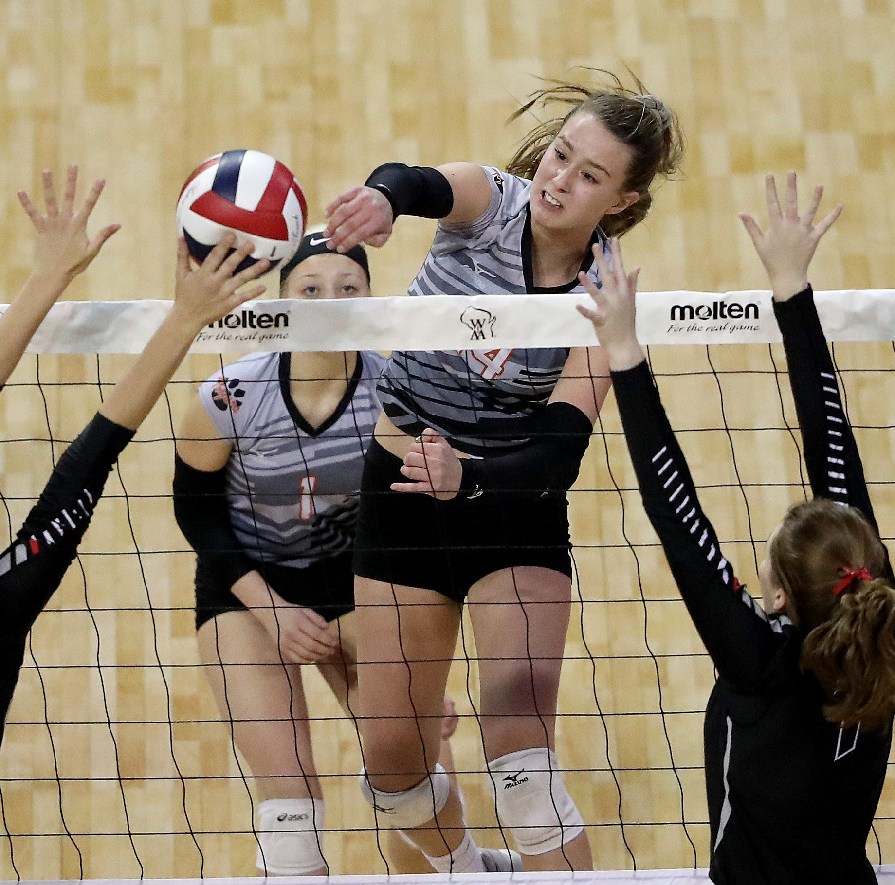 WIAA state volleyball: Stratford advances to Division 3 championship game