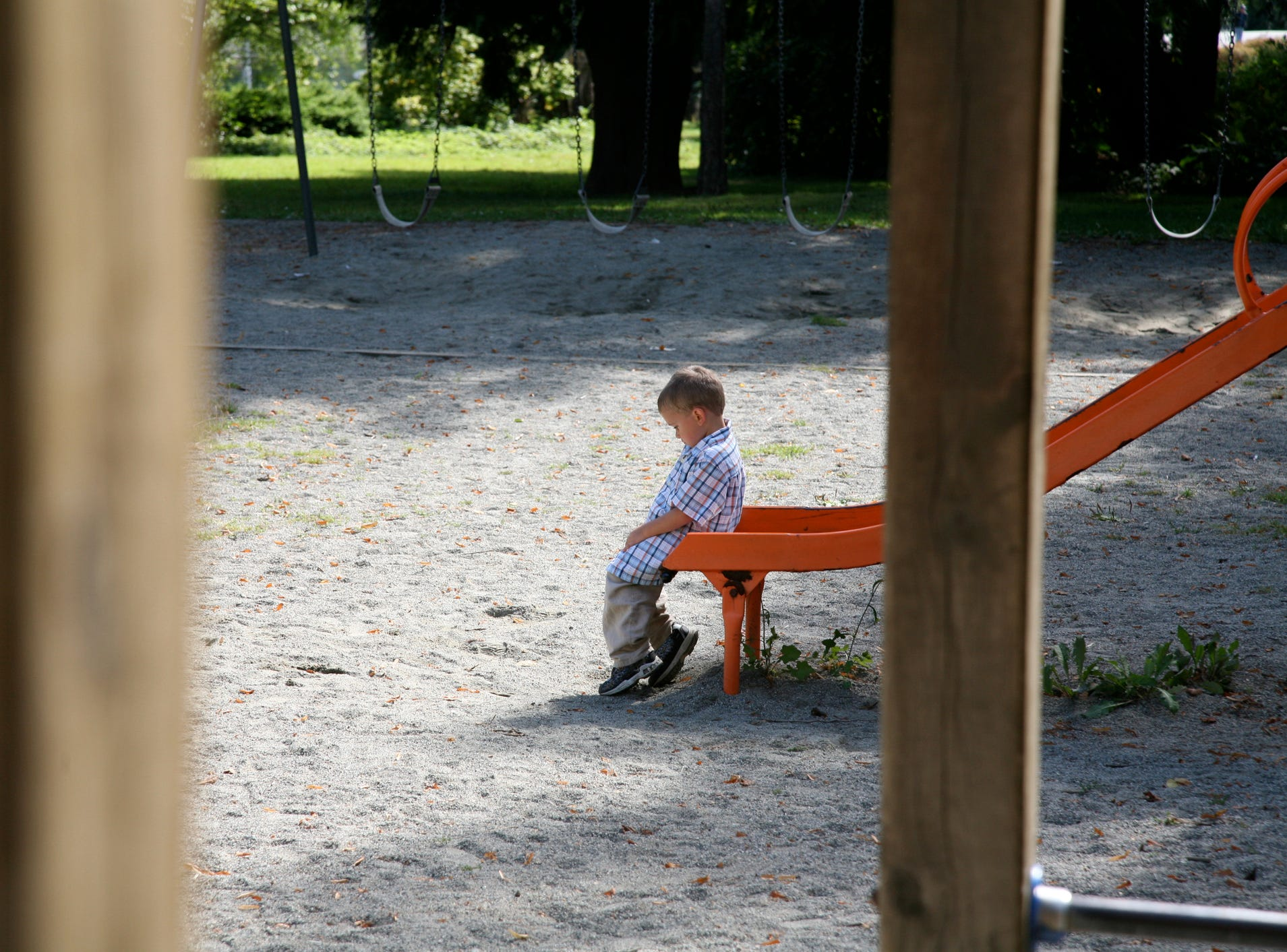 Mom asks little boy to leave public park because she wants girls-only playtime