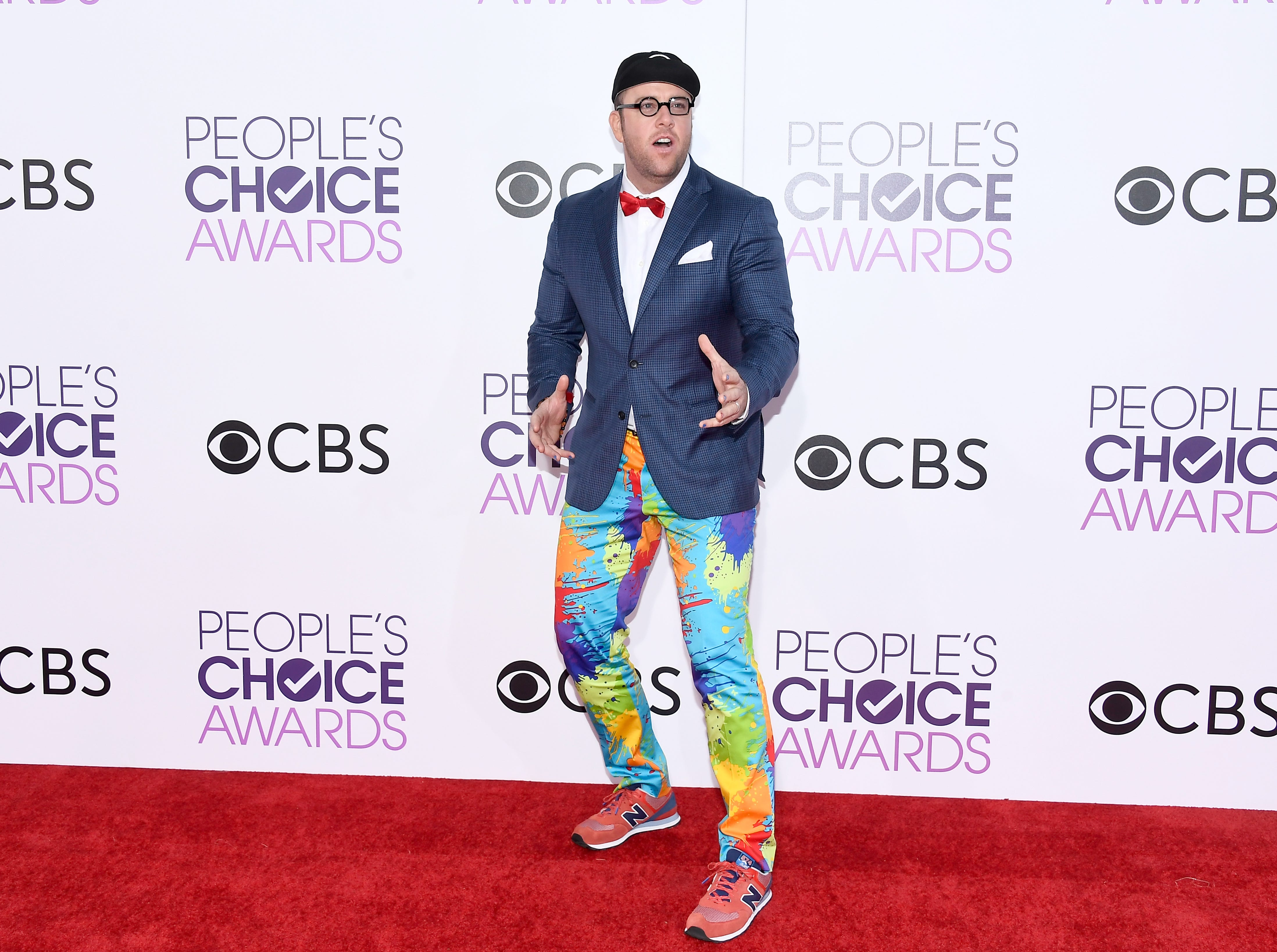 LOS ANGELES, CA - JANUARY 18:  Actor Chris Sullivan attends the People's Choice Awards 2017 at Microsoft Theater on January 18, 2017 in Los Angeles, California.  (Photo by Kevork Djansezian/Getty Images) ORG XMIT: 692971301 ORIG FILE ID: 632009964