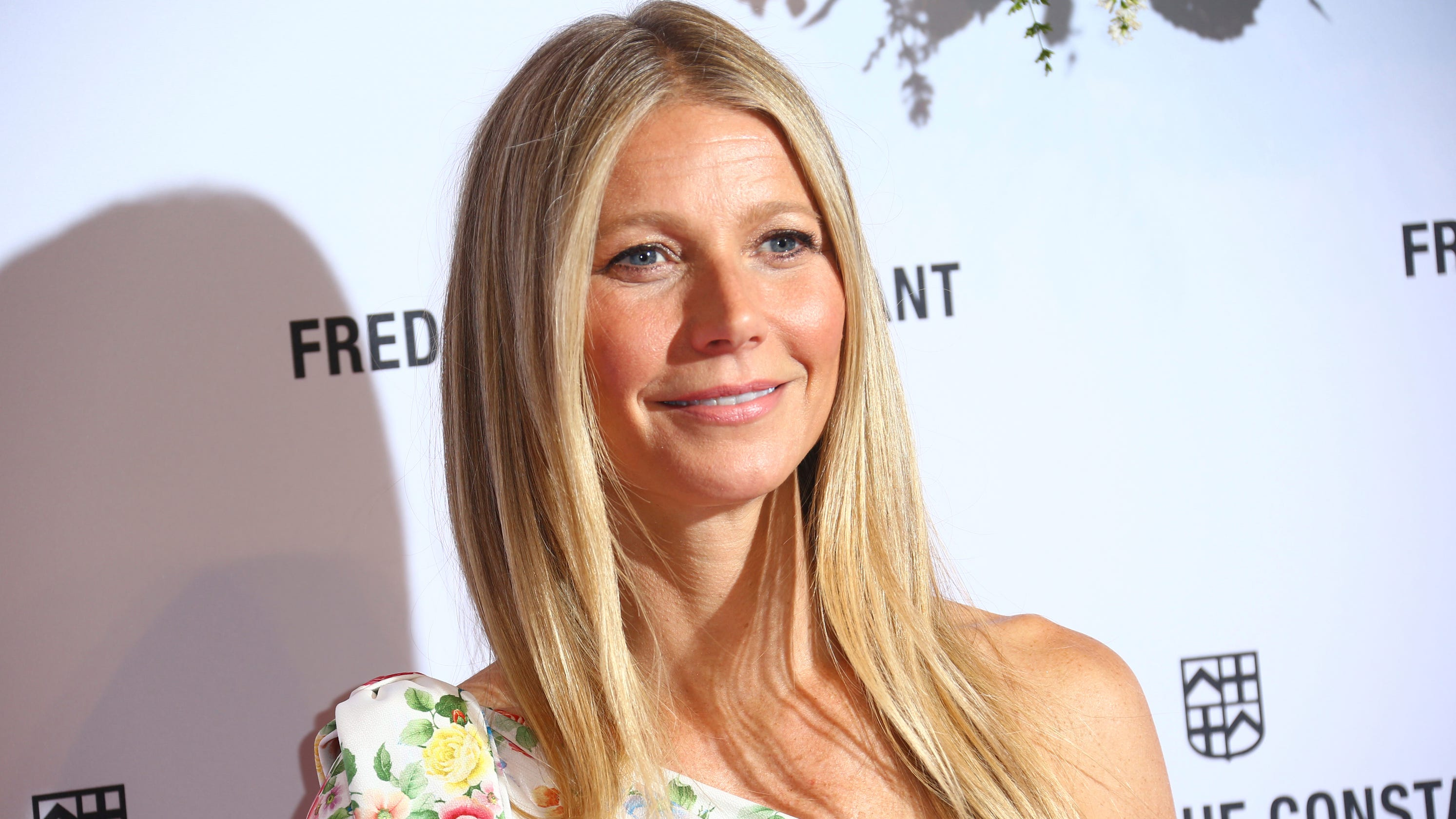 3eb230a479eac Gwyneth Paltrow's wedding to Brad Falchuk unveiled: See her dress!