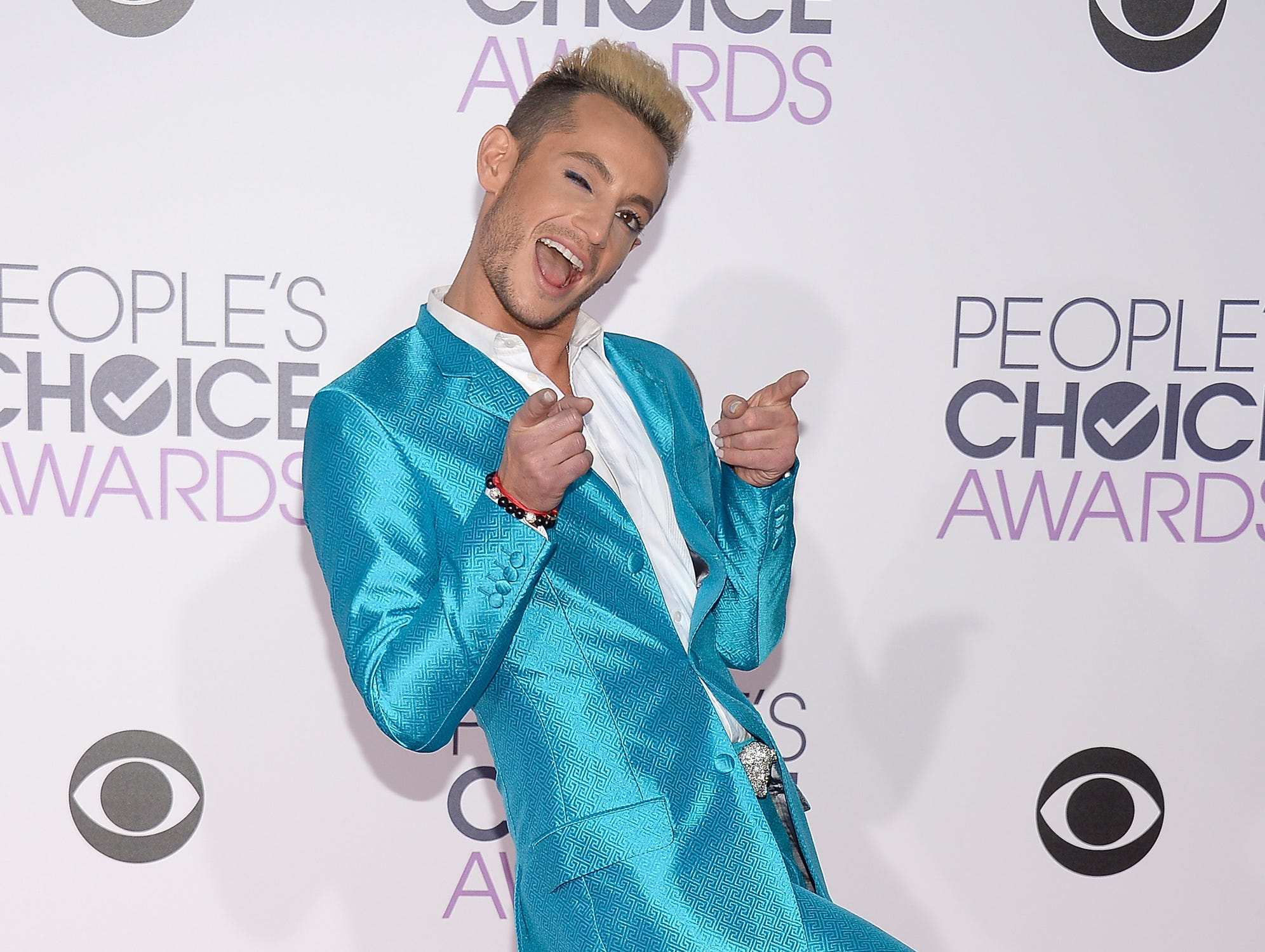 LOS ANGELES, CA - JANUARY 06:  Dancer Frankie Grande attends the People's Choice Awards 2016 at Microsoft Theater on January 6, 2016 in Los Angeles, California.  (Photo by Kevork Djansezian/Getty Images) ORG XMIT: 585845407 ORIG FILE ID: 503677186