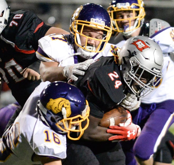Everyone in District 3-5A Division II will once again chase Lubbock Cooper, but Wylie will try to get itself back in the playoff picture after missing the postseason for the first time in 24 years last season. The Bulldogs will have to battle Wichita Falls Rider, Canyon Randall, Wichita Falls High, Plainview and the defending champion Pirates for a spot in the top four.