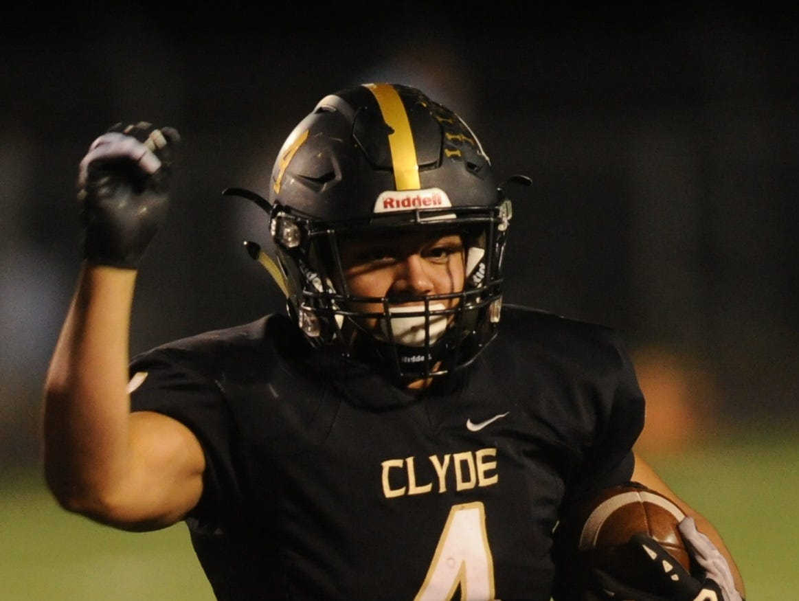 Clyde's Donovan Gomez eyes the end zone against the Eastland defense during the first half of their District 3-3A Division I game Friday, Nov. 2, 2018, at Clyde. Eastland rallied from a 14-7 halftime deficit to beat the Bulldogs 28-14.