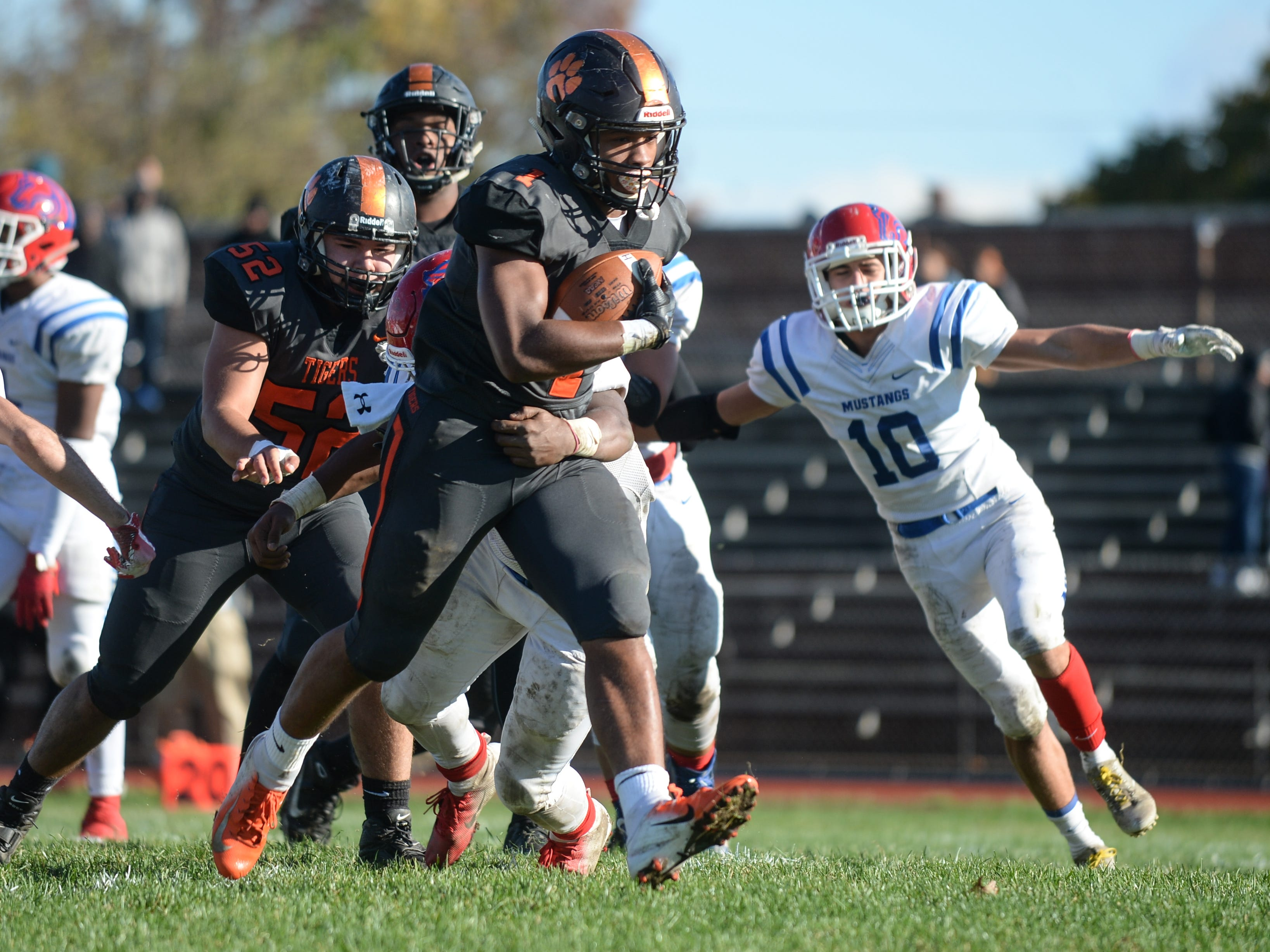 Woodrow Wilson's Muheem Mccargo carries the ball for a touchdown during Saturday's South Jersey Group 3 first round game against Triton at Woodrow Wilson High School, Nov. 3, 2018.