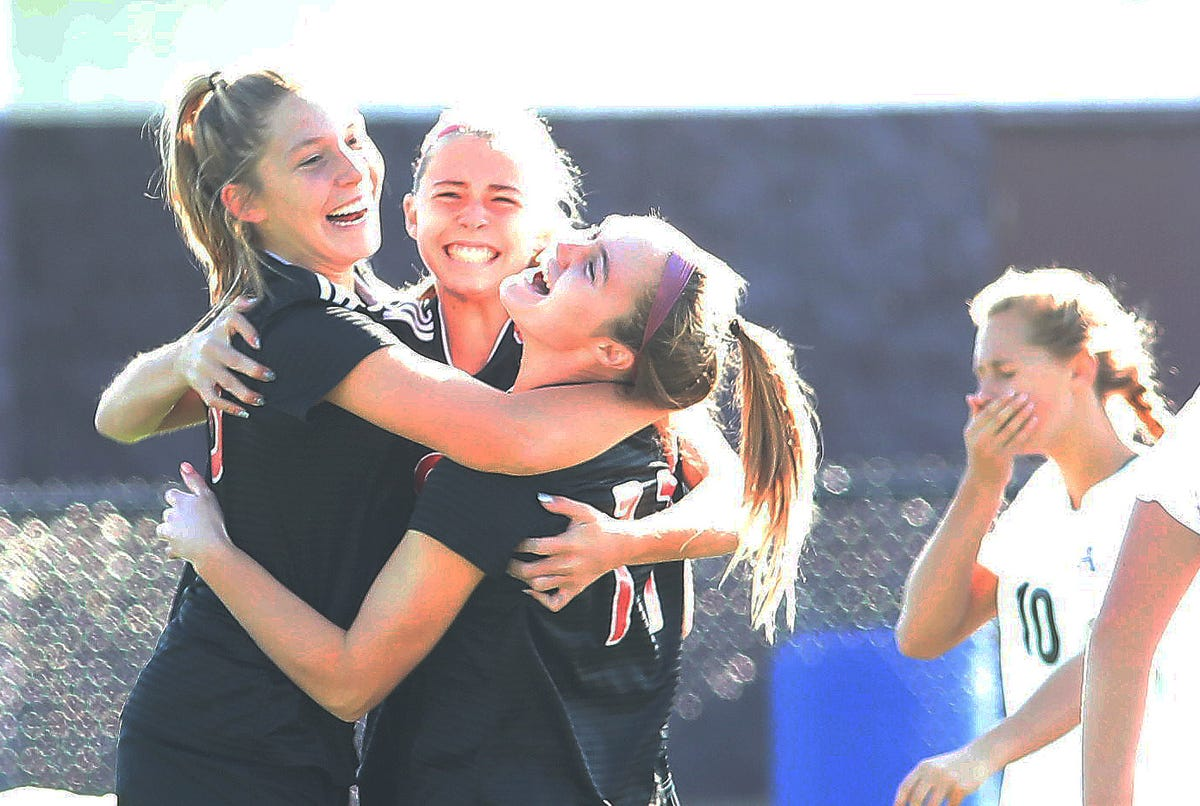 Indian Hill girls soccer punches ticket to state with regional title