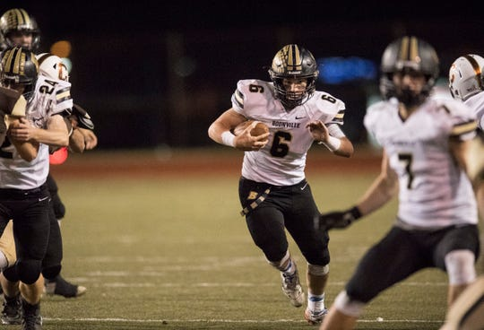 Boonville's Luke Conner (6) carries the ball during the Class 4A Sectional 24 championship game against the Central Bears at Central Stadium Friday, Nov. 2, 2018.