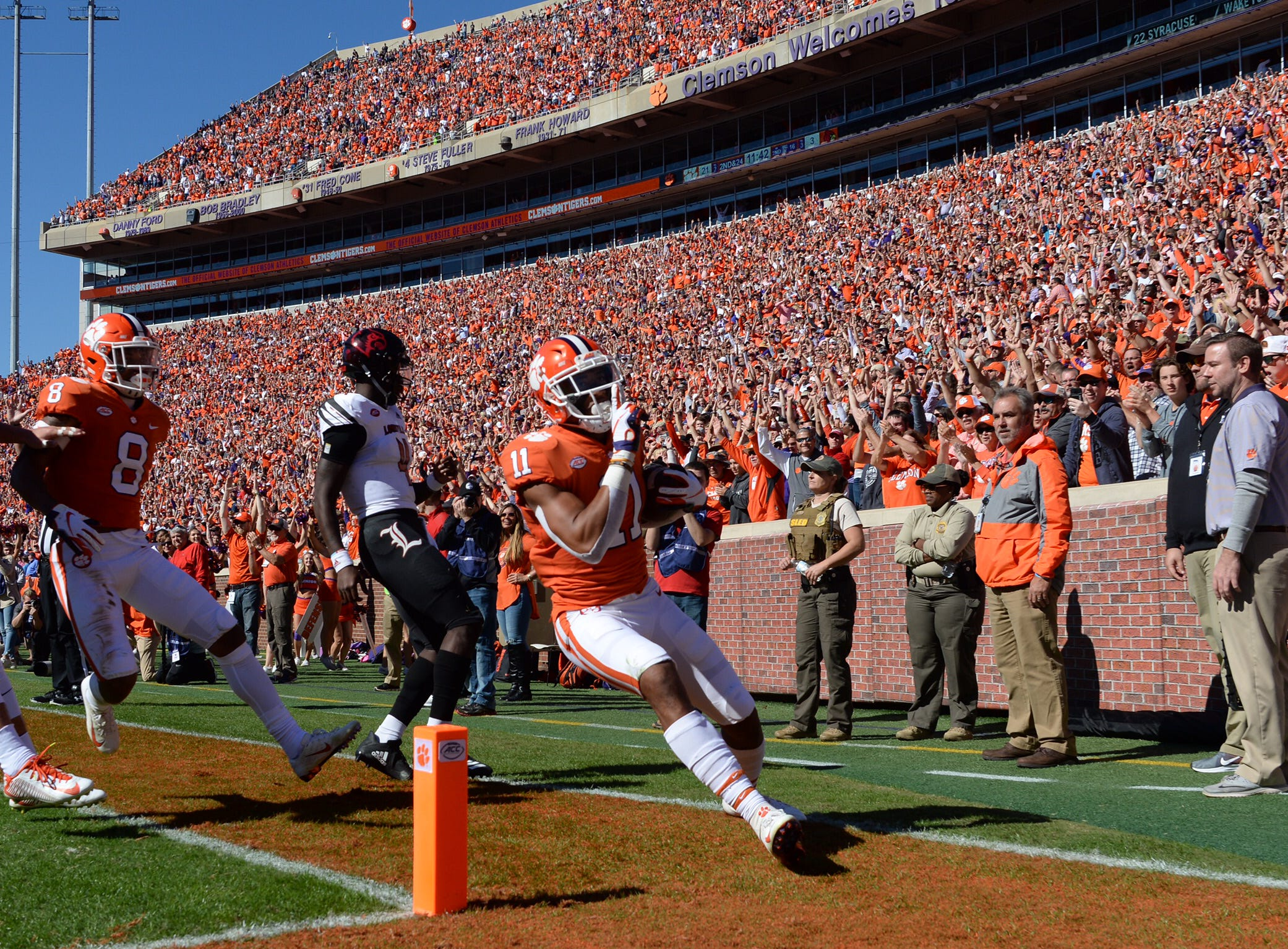Clemson's Isaiah Simmons gets a pick-6 in the second quarter against Louisville.