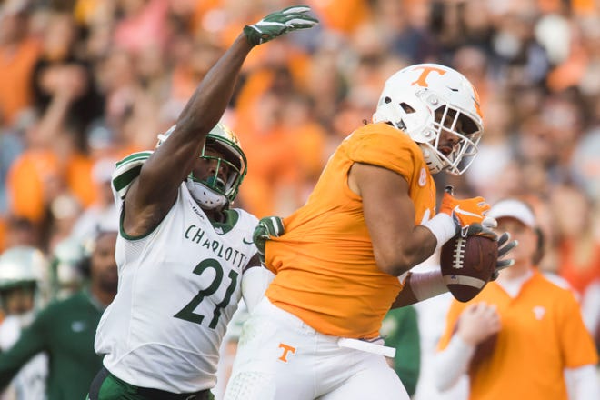 Tennessee tight end Dominick Wood-Anderson (4) runs the ball during the homecoming game between Tennessee and Charlotte at Neyland Stadium Saturday, Nov. 3, 2018.
