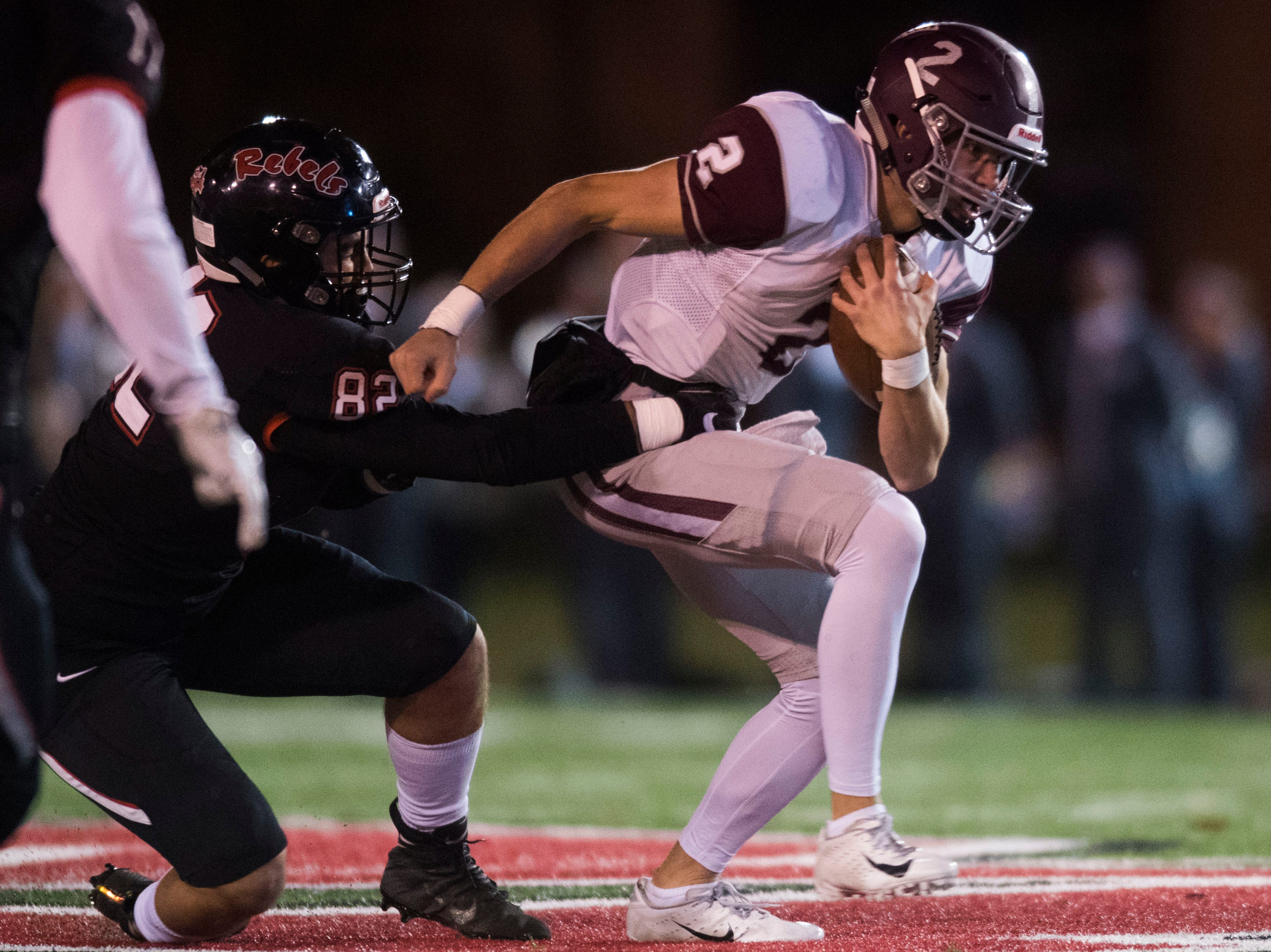 Bearden's Collin Ironside (2) runs the ball during a first round playoff game between Maryville and Bearden at Maryville, Friday, Nov. 2, 2018. Maryville defeated Bearden 28-7.