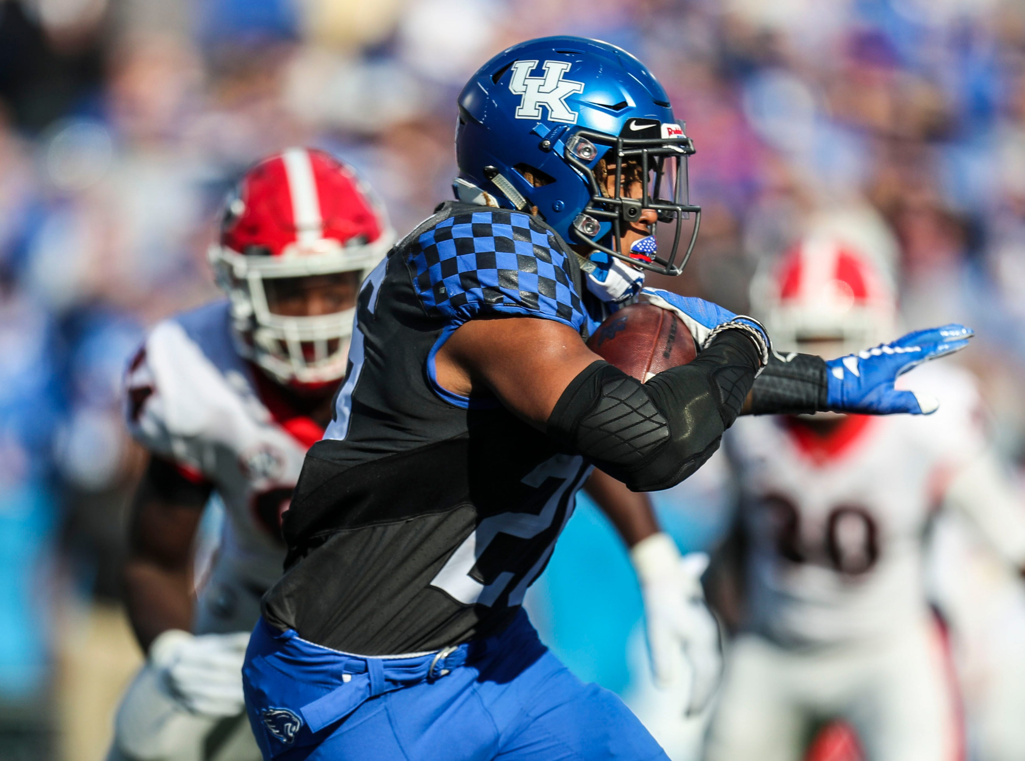 Kentucky's Benny Snell had 61 yards in the first half Saturday. Nov. 3, 2018