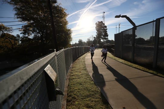 The Big River Crossing Half-Marathon and 5K run downtown Memphis Saturday, November 3, 2018.