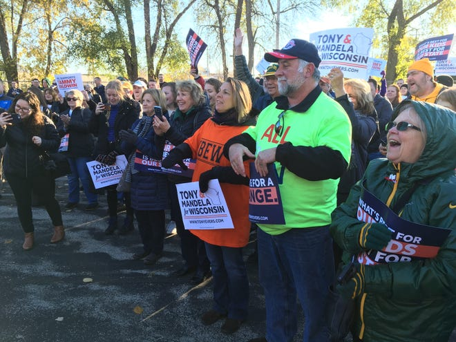 Democrats rallied in Green Bay on Saturday for candidates including U.S. Sen. Tammy Baldwin and gubernatorial candidate Tony Evers.