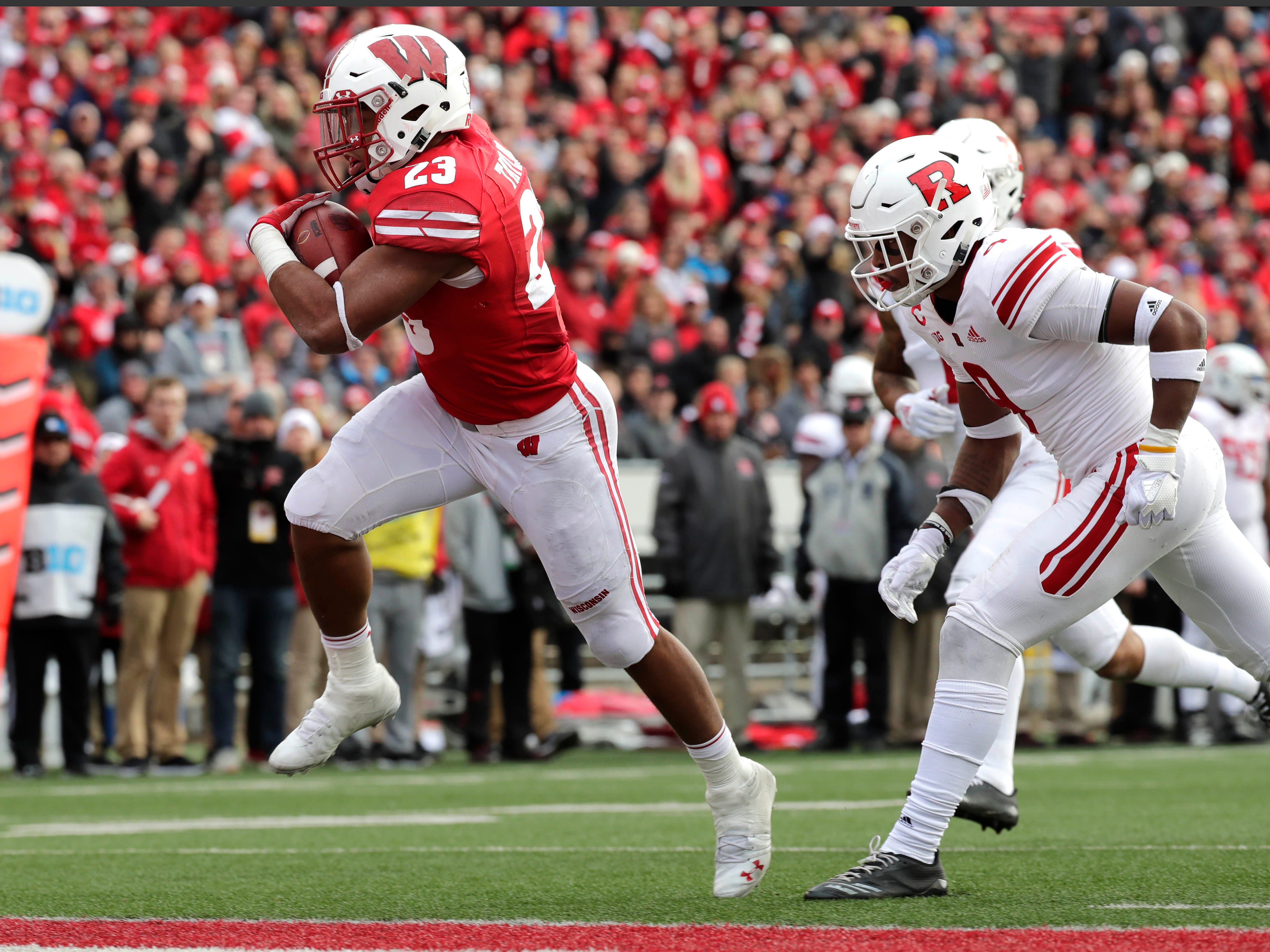 Wisconsin running back Jonathan Taylor finds the end zone after an 18-yard run against Rutgers during the third quarter Sunday.