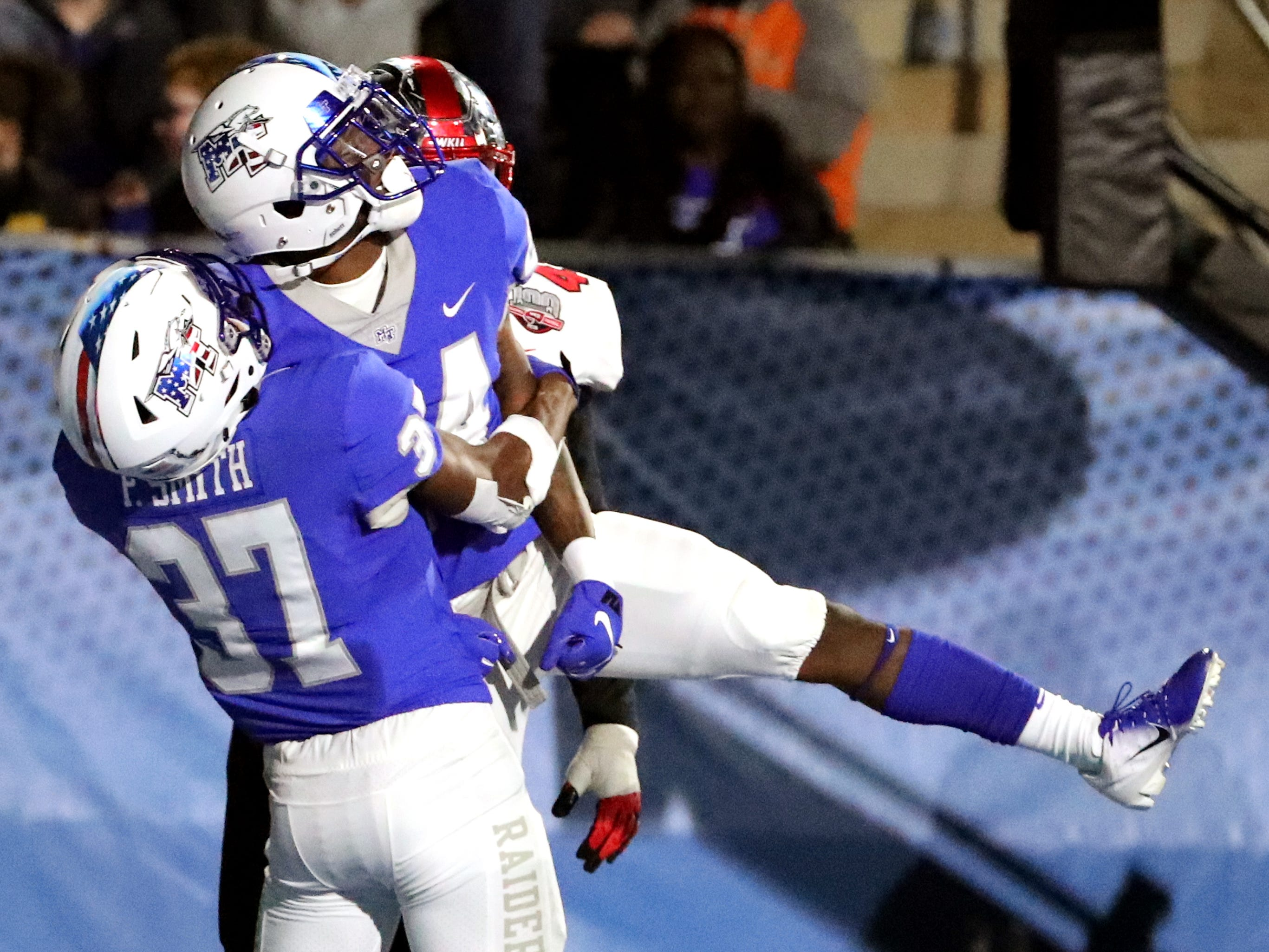 Zack Dobson, older brother of Zaevion Dobson, scores first career touchdown for MTSU