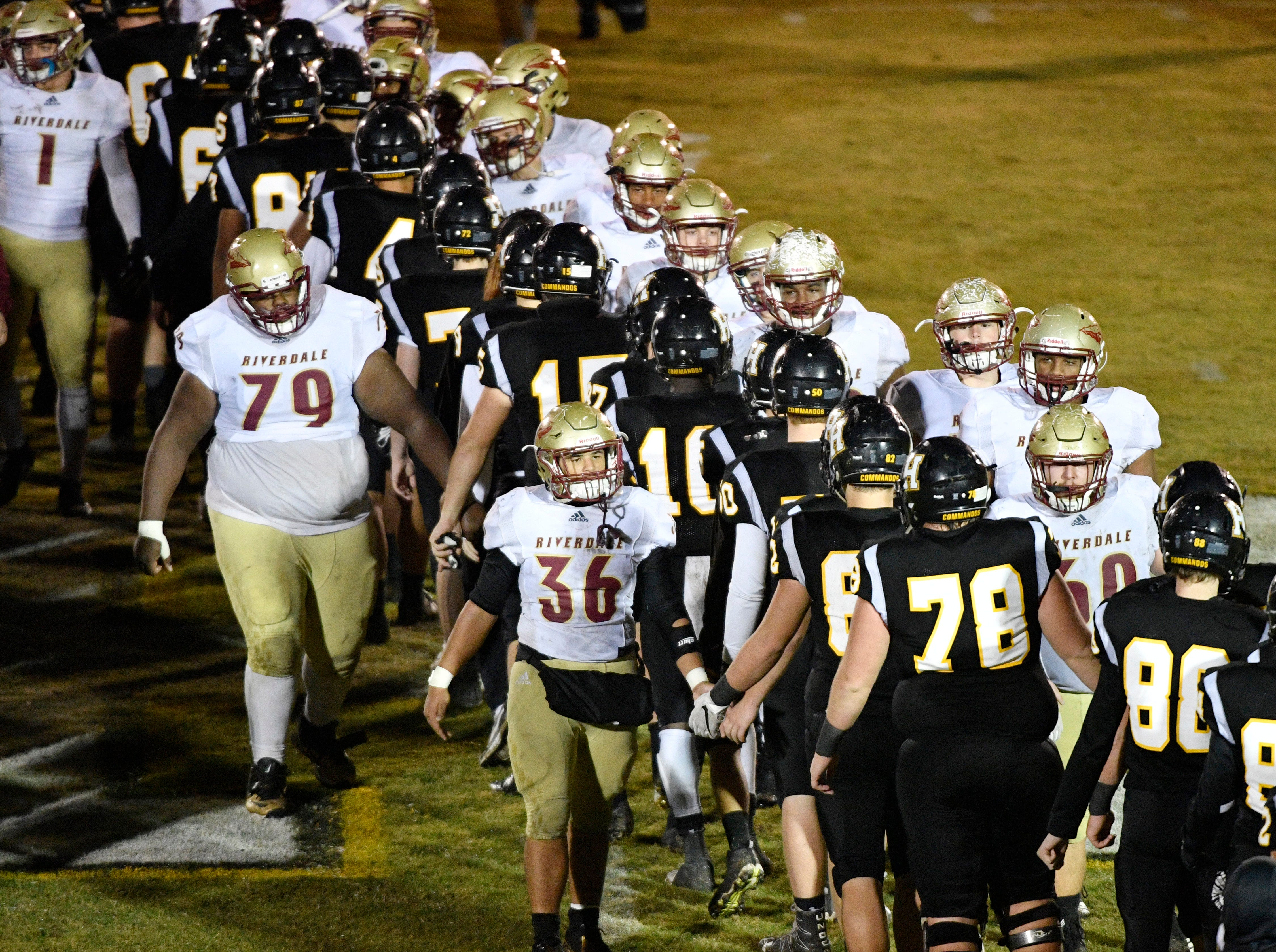 Riverdale and Hendersonville shake hands after Hendersonville won 23-14 Friday Nov. 2, 2018, in Hendersonville, Tenn.