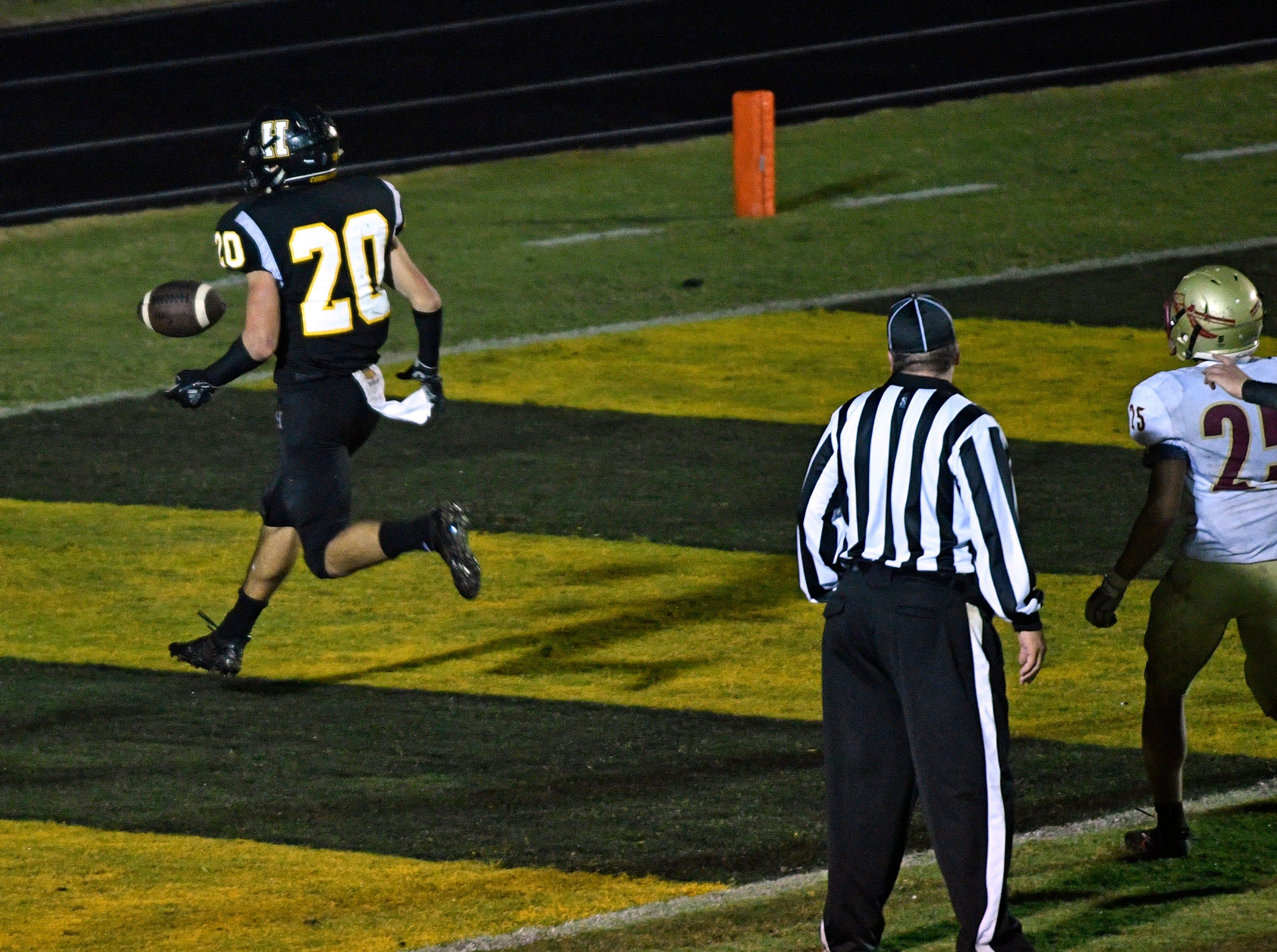 Nate Hancock is all alone as he scores Hendersonville's final touchdown to make it 23-14 Friday Nov. 2, 2018, in Hendersonville, Tenn.