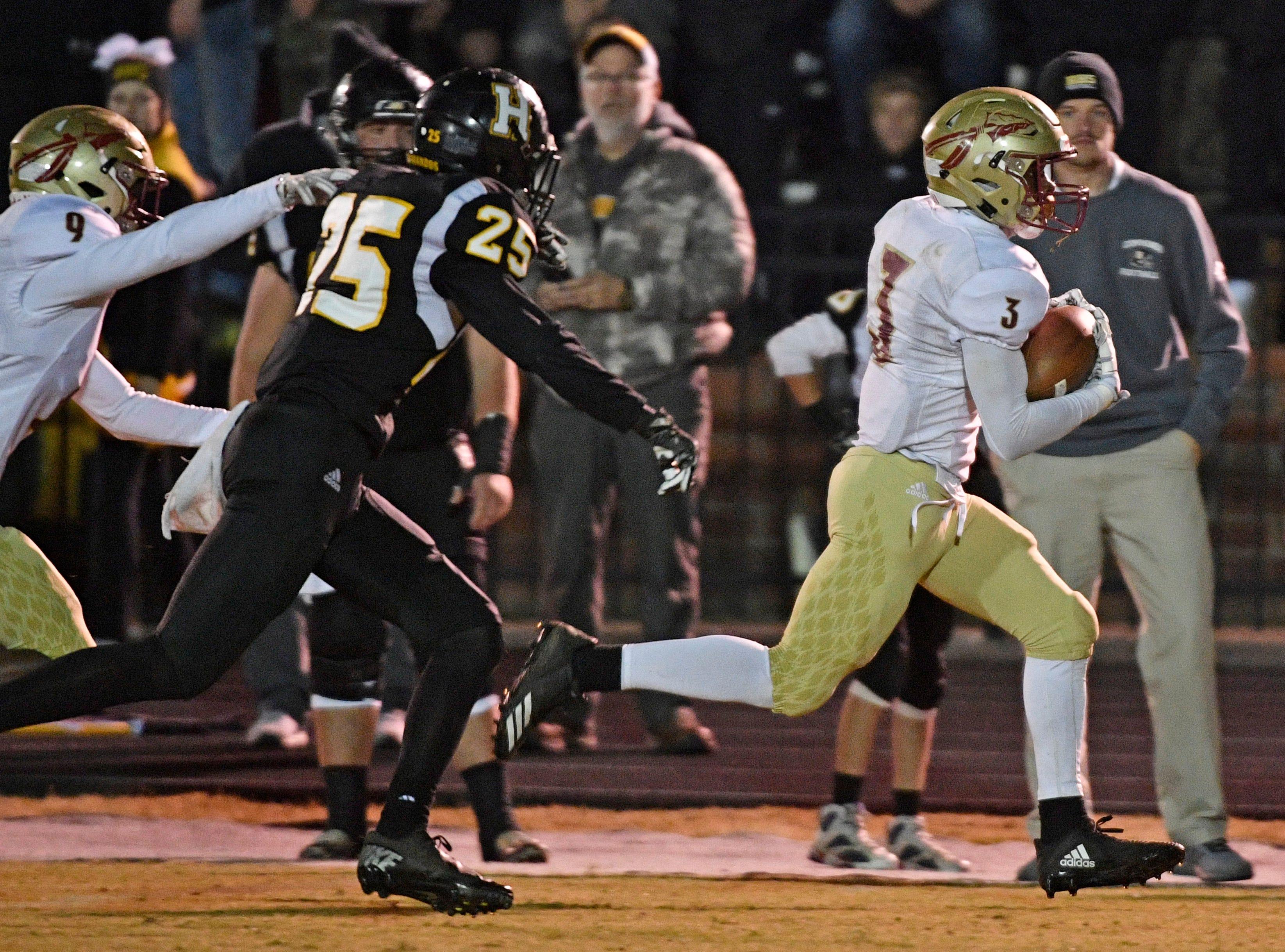 A fake punt gave Jaylan Simmons a 20 yard run as Riverdale plays at Hendersonville Friday Nov. 2, 2018, in Hendersonville, Tenn.
