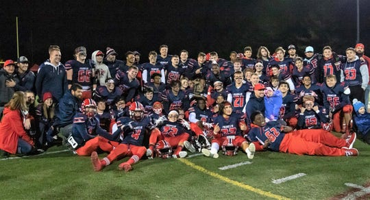 Franklin captured its third Division 2 district title in four years with a 27-25 win over Temperance Bedford.