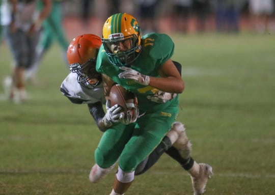 Jacob Calderon catches a pass for Coachella Valley against Chaffey, November 2, 2018.