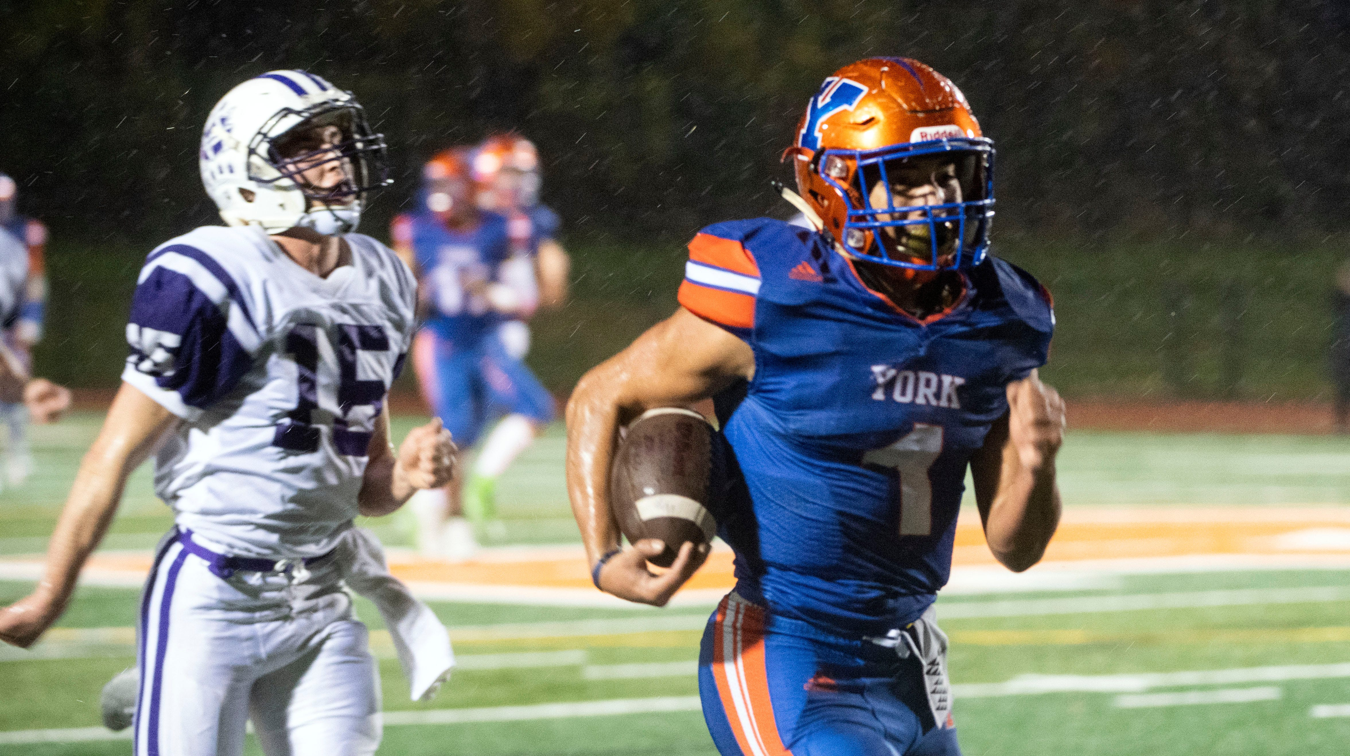 York High's Dayjure Stewart (1) runs the ball in for a touchdown during District 3 Class 5A playoff game at Small Field, Friday, Nov. 2, 2018. The York High Bearcats beat the Northern York Polar Bears, 42-7.
