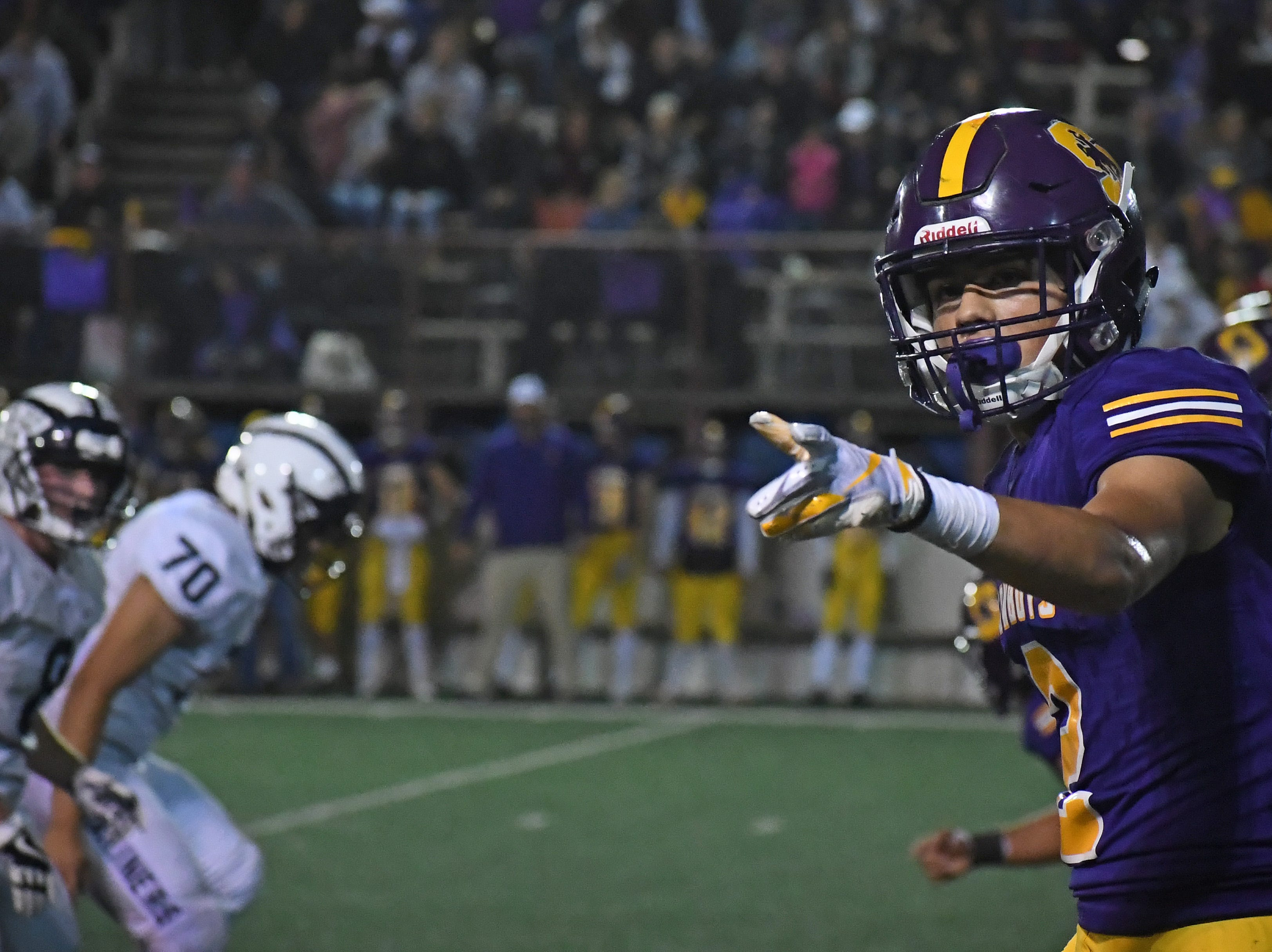 Salinas wide receiver Zachary Robison (2) checks if he's on side.