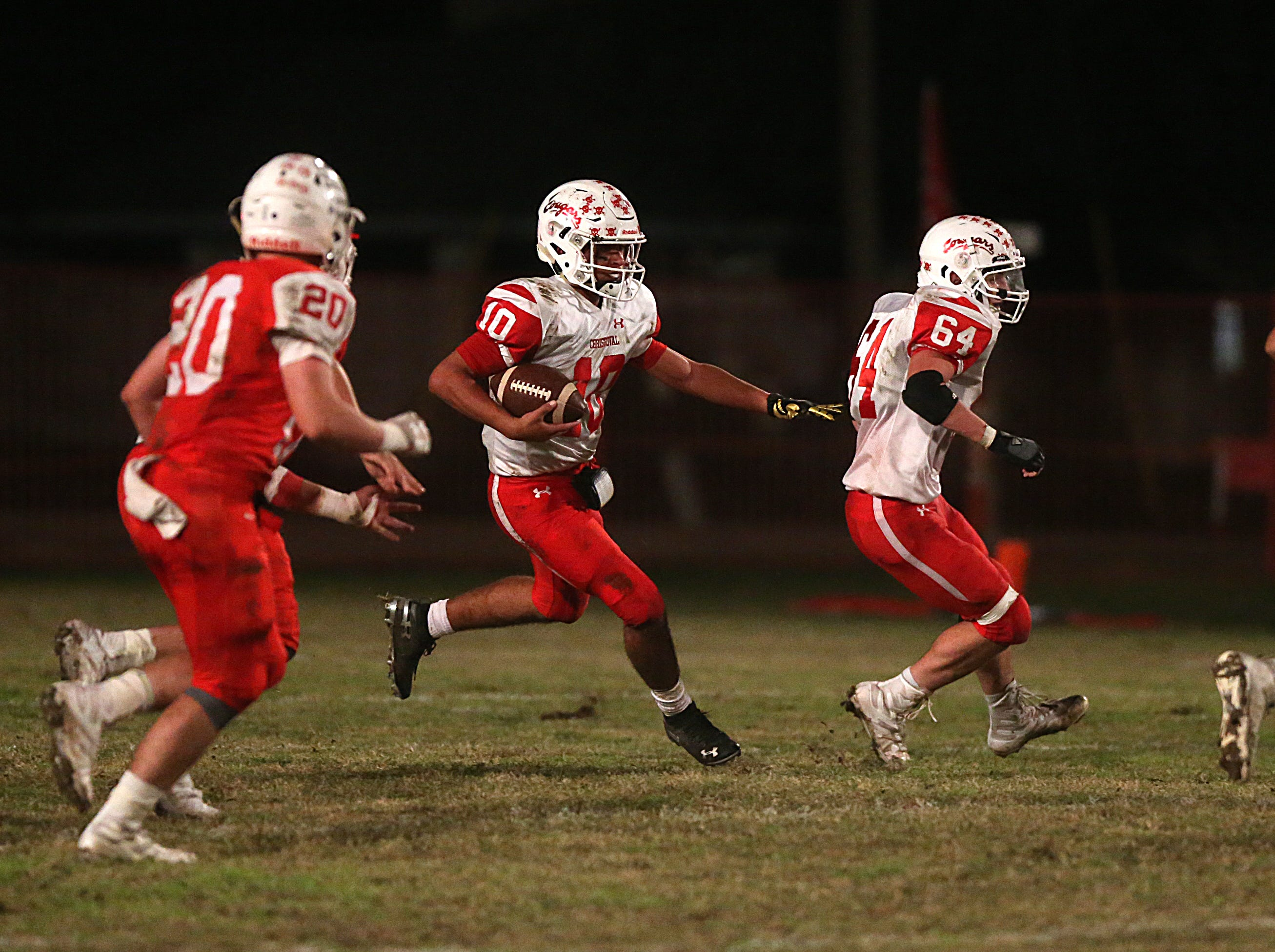 Christoval's Brayden Wilcox (#10) makes a play downfield Friday, Nov. 2, 2018 during their game against Miles.