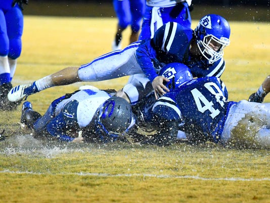 Fort Defiance Vs Spotswood Football