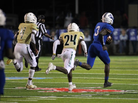 Godby running back Jaquez Yant breaks off a 70-yard run as Godby defeated Lincoln 34-24 at Gene Cox Stadium on Friday, Nov. 2, 2018.
