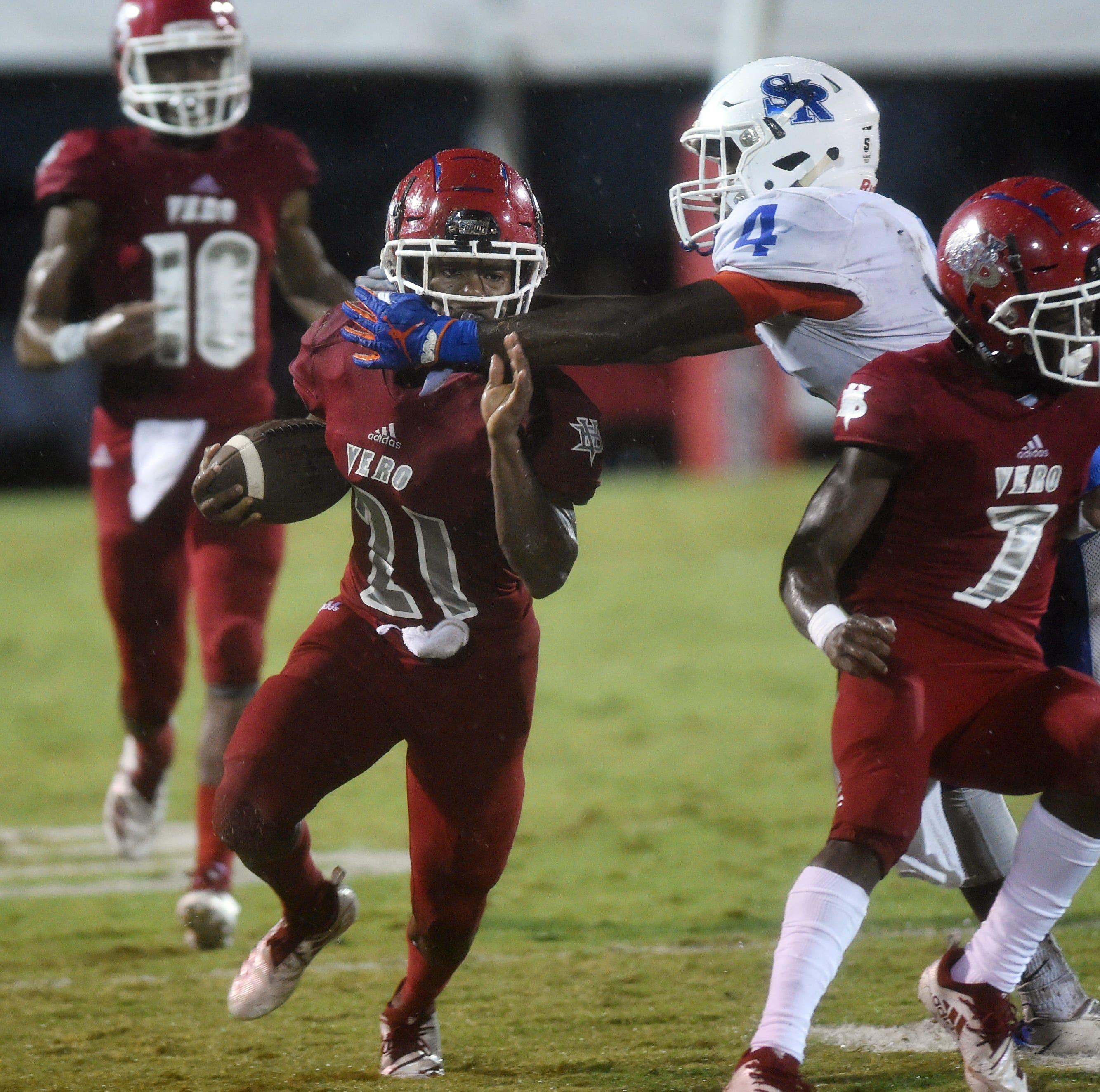 4 area football teams advance to FHSAA playoffs