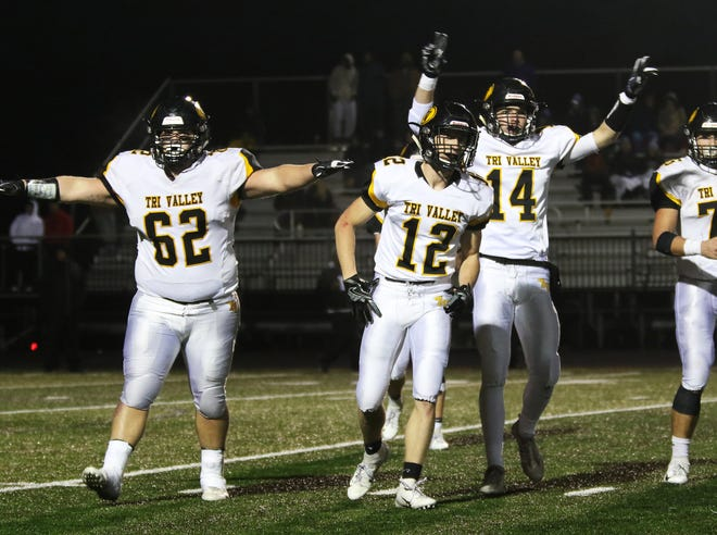 Tri-Valley celebrates after Barberton missed a field goal.