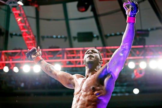 Karl Roberson (red gloves) celebrates beating Jack Marshman (blue gloves) during UFC 230 at Madison Square Garden. Mandatory Credit: Noah K. Murray-USA TODAY Sports