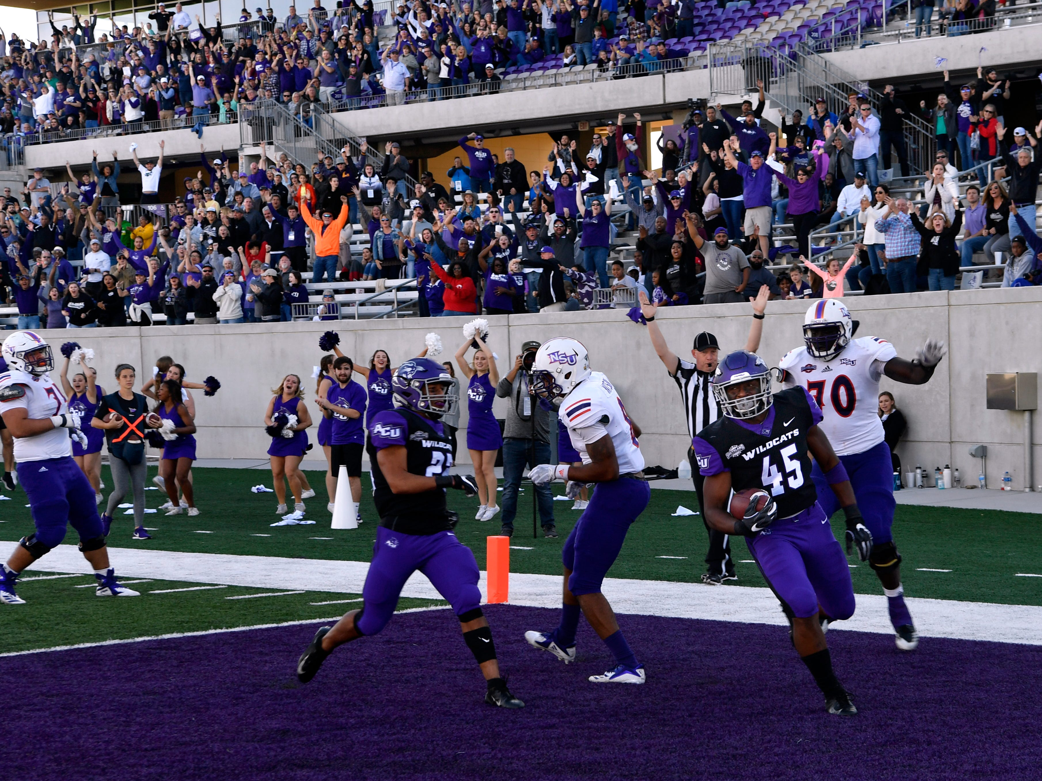Qua'Shawn Washington scores a touchdown for the Wildcats during Saturday's game against Northwestern State University Nov. 3, 2018. Final score was 49-47, Abilene Christian University.