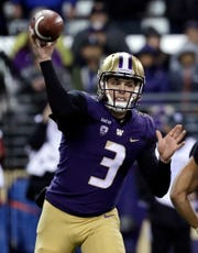 Washington quarterback Jake Browning led the Huskies to an early 21-0 lead against Stanford.