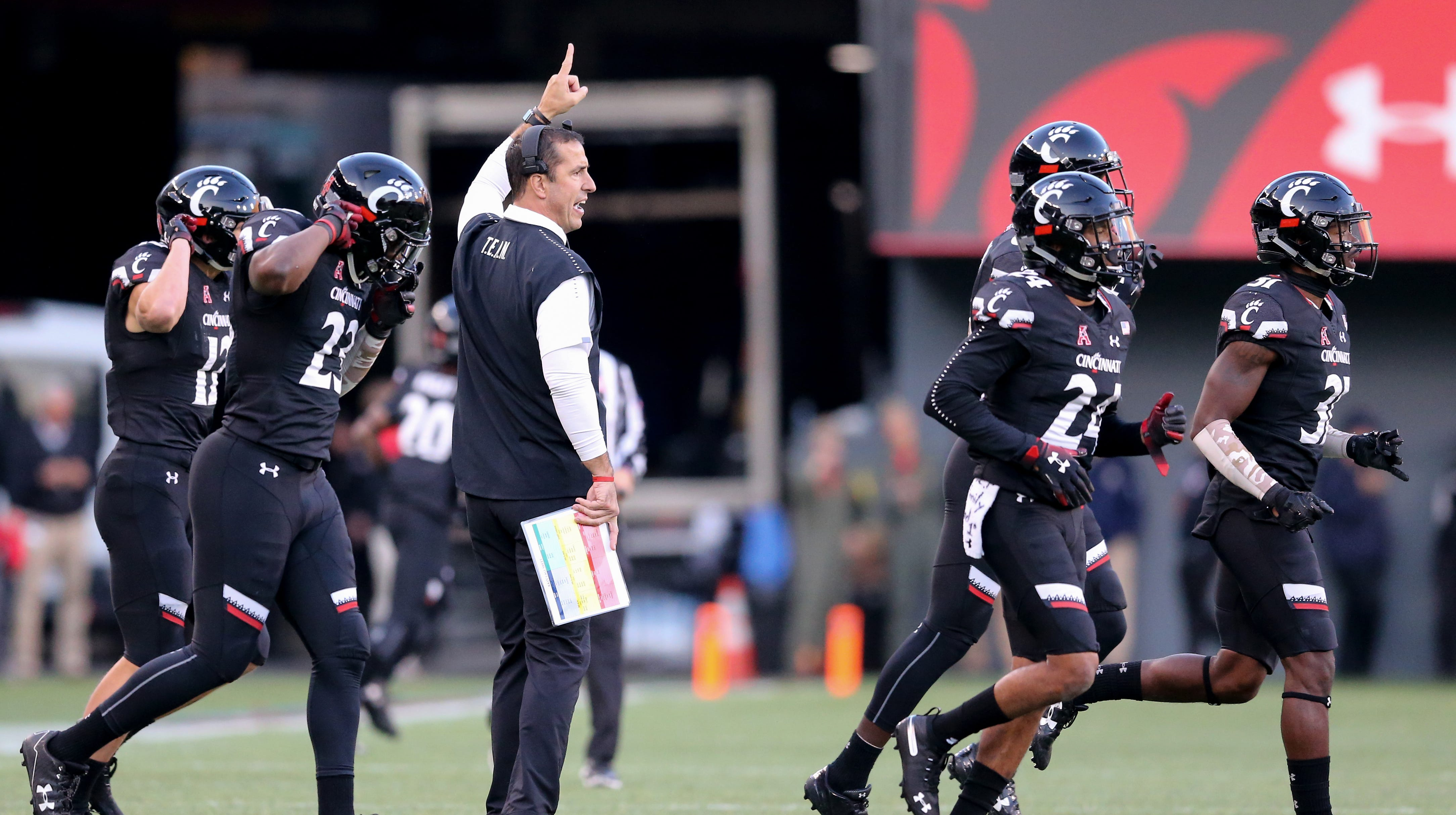 Fickell S Bearcats To Face Virginia Tech In Annapolis