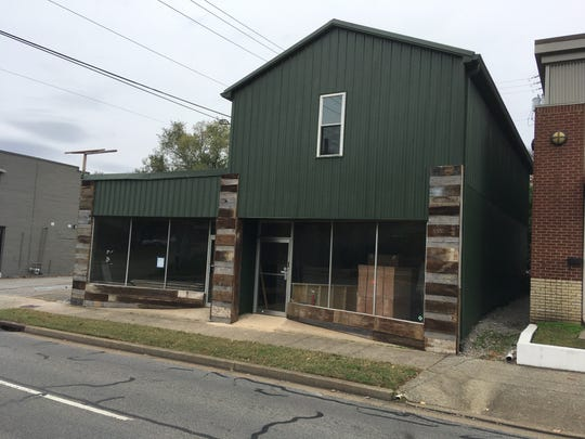 The old Lovin' Spoonful location on University Avenue next to Jib Bop will soon become King's Bluff Brewery.