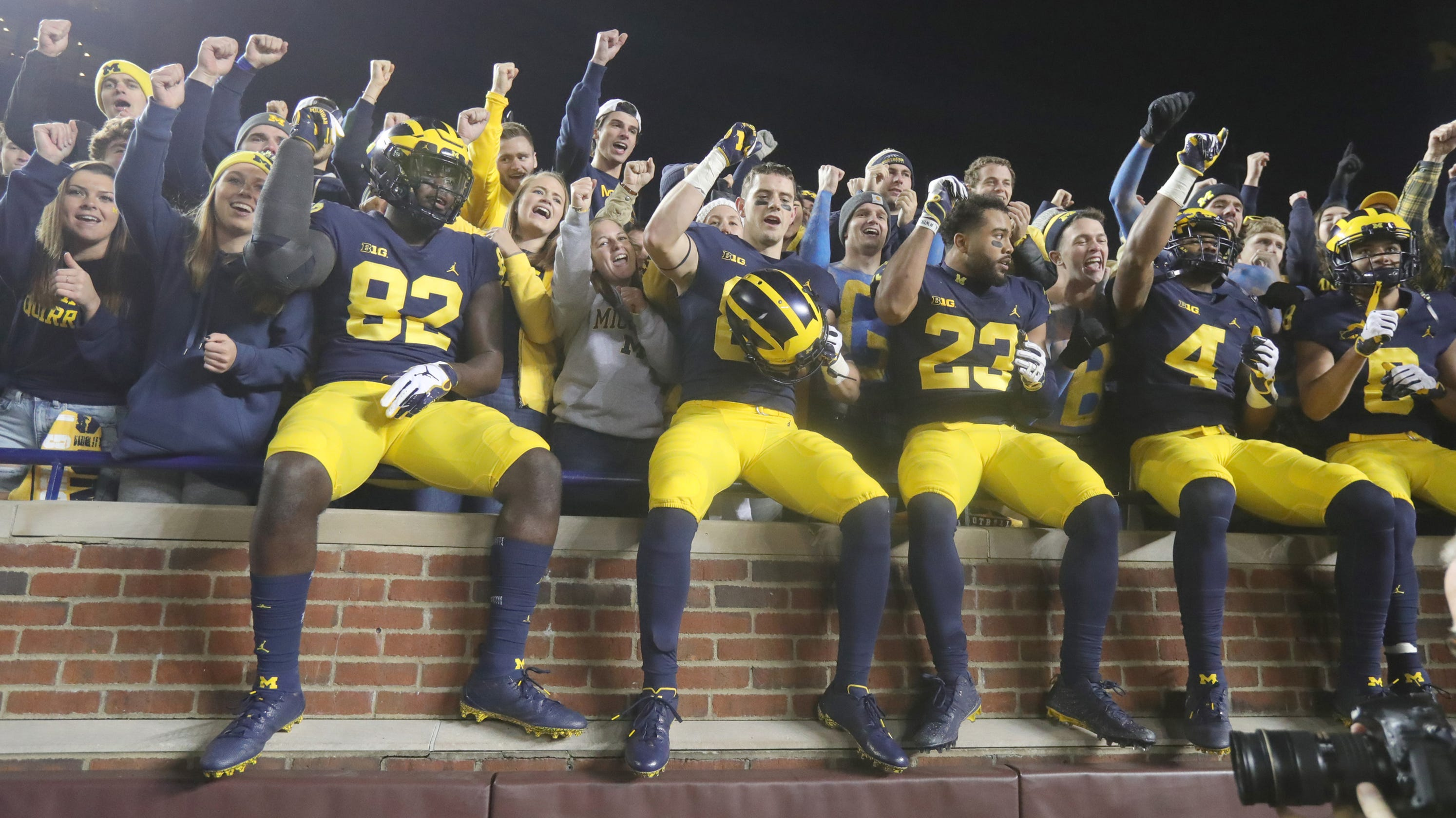 1526855d7214 Michigan chat recap: What's Wolverines' weakness? Why'd Webber snub hoops?