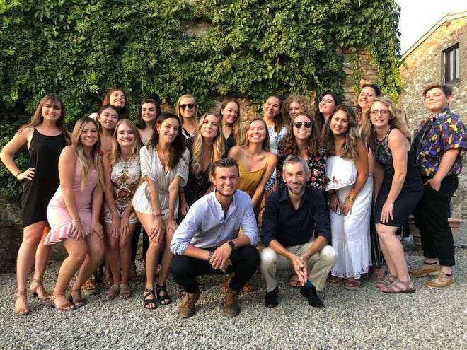 2018 FSU Communication in Florence students and their program advisor, Dr. Patrick Merle.
