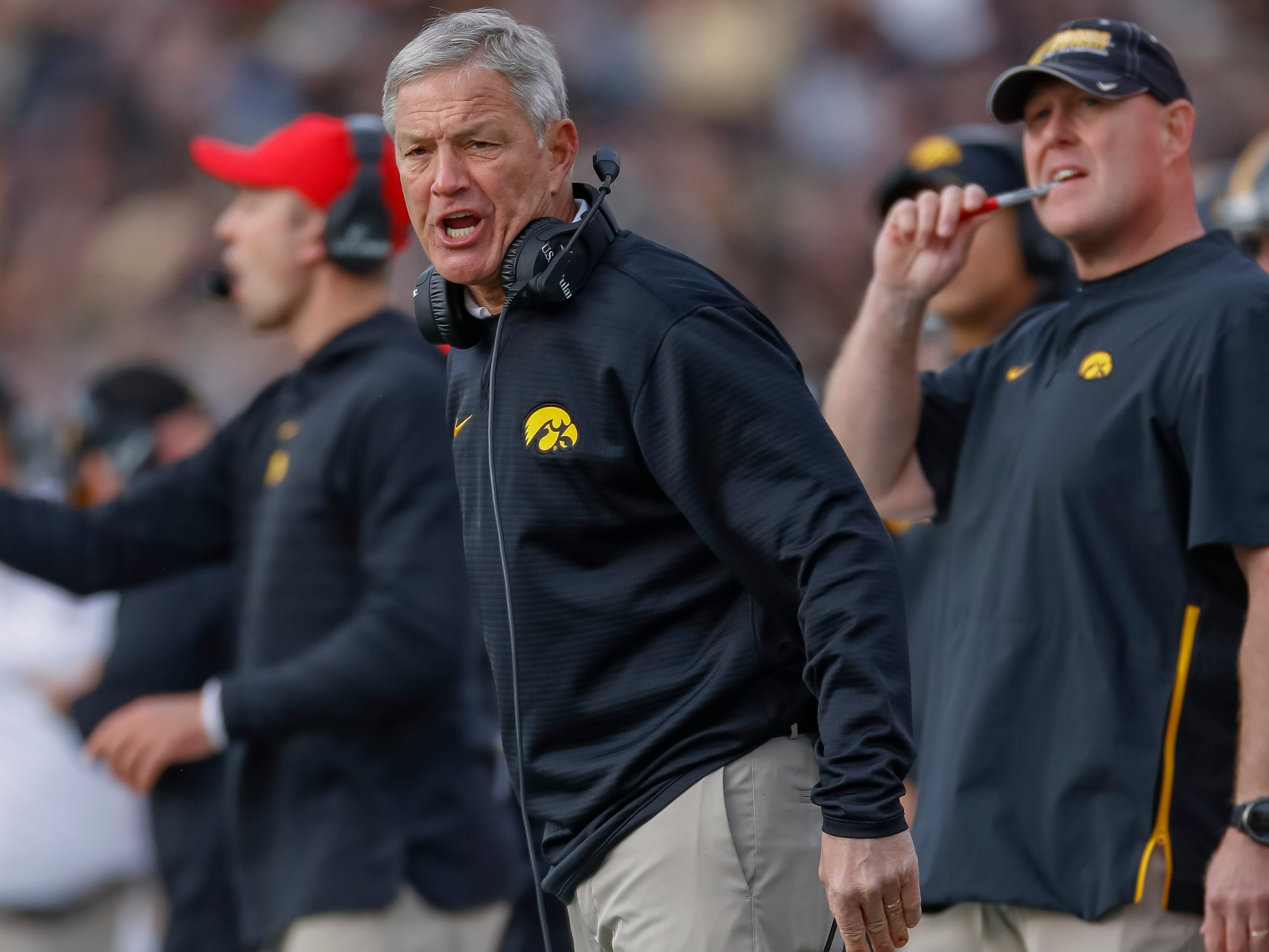 Kirk Ferentz at Iowa, Pat Fitzgerald at Northwestern are coaches with staying power